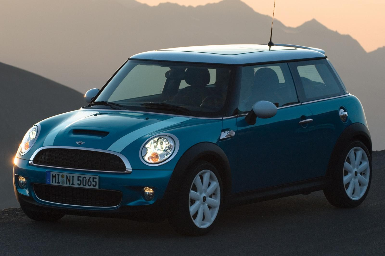 2007 mini cooper information and photos zombiedrive. Black Bedroom Furniture Sets. Home Design Ideas