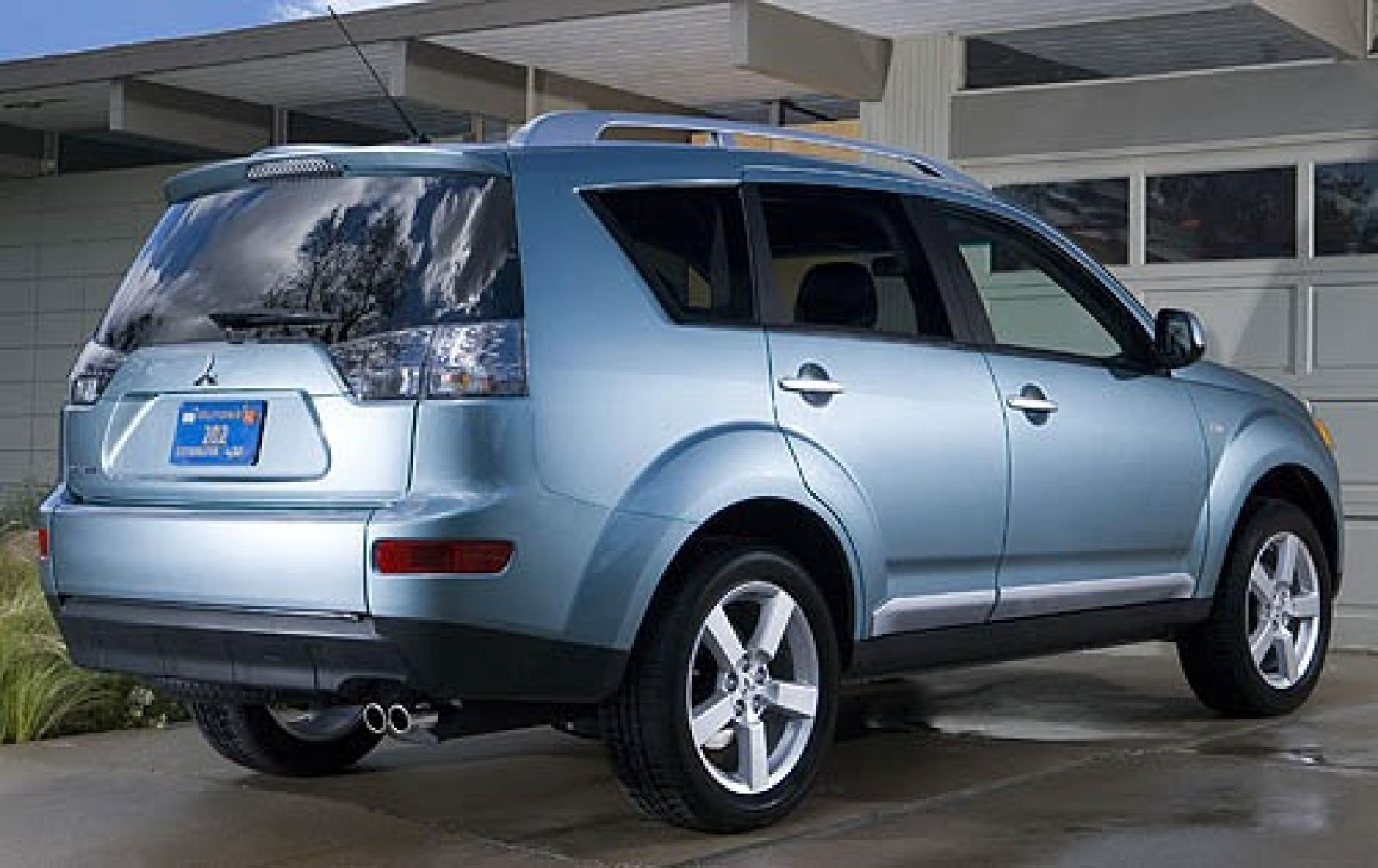 2007 mitsubishi outlander information and photos zombiedrive. Black Bedroom Furniture Sets. Home Design Ideas