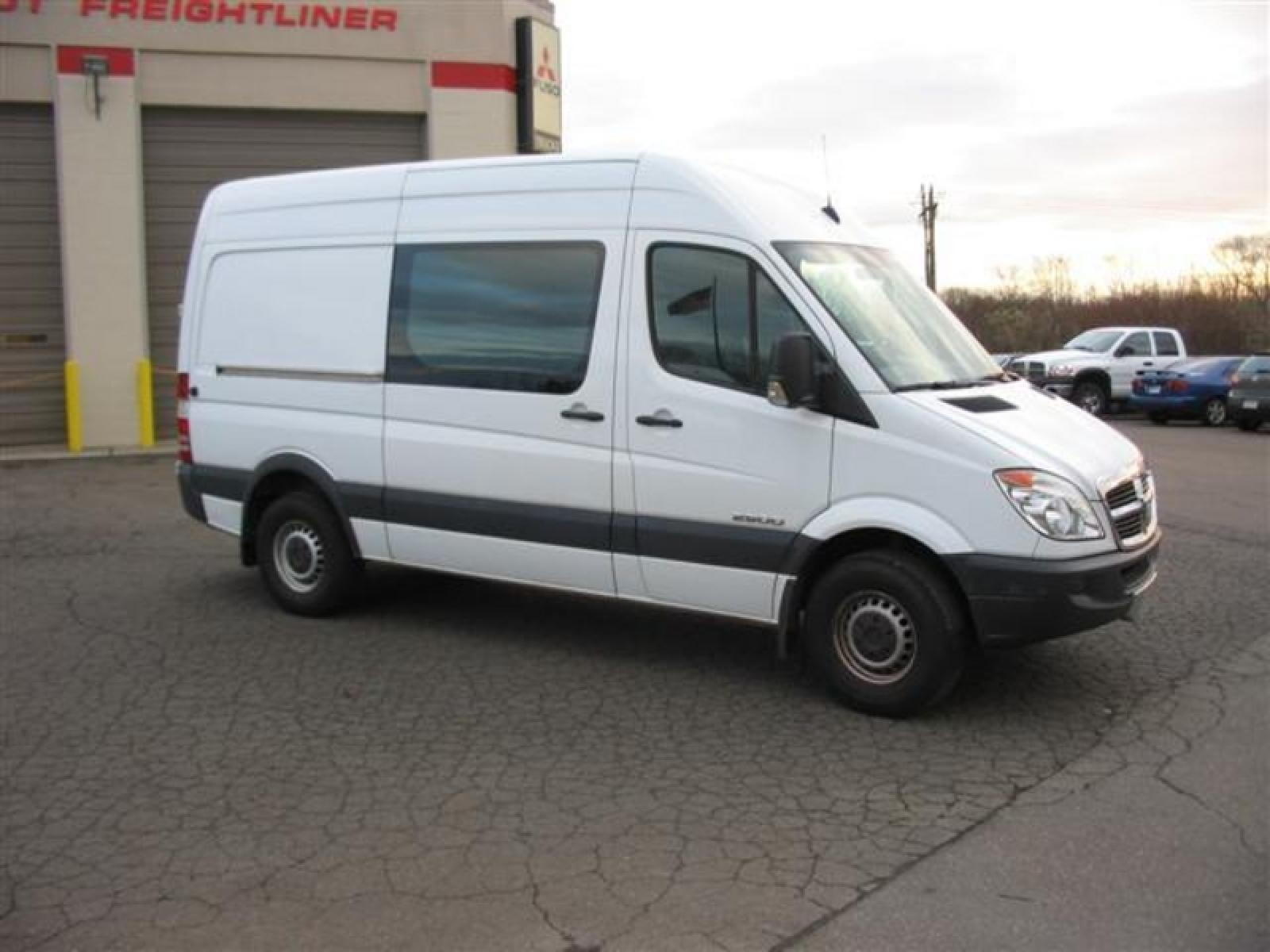 2008 dodge sprinter information and photos zombiedrive. Black Bedroom Furniture Sets. Home Design Ideas