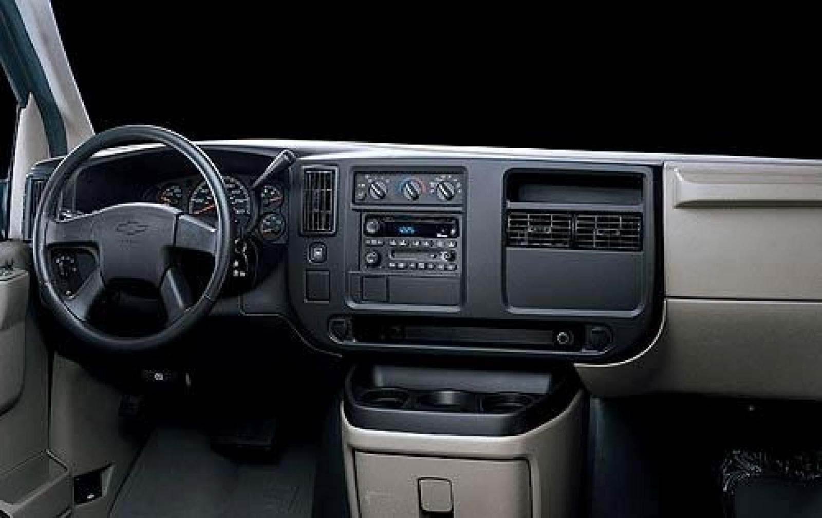 2010 Chevrolet Express Cargo Information And Photos Zombiedrive