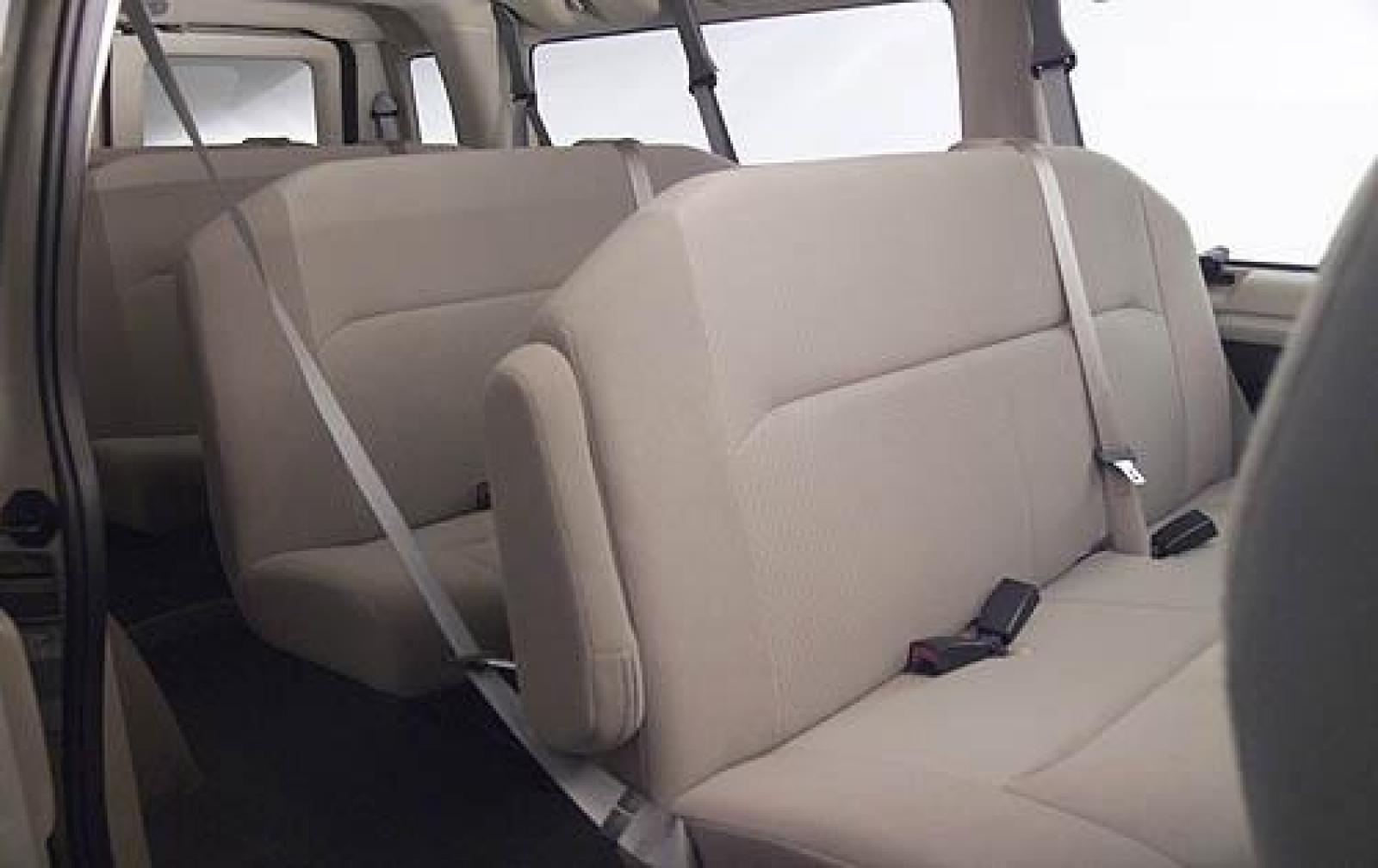 2009 Ford Econoline Wagon - Information and photos - Zomb Drive
