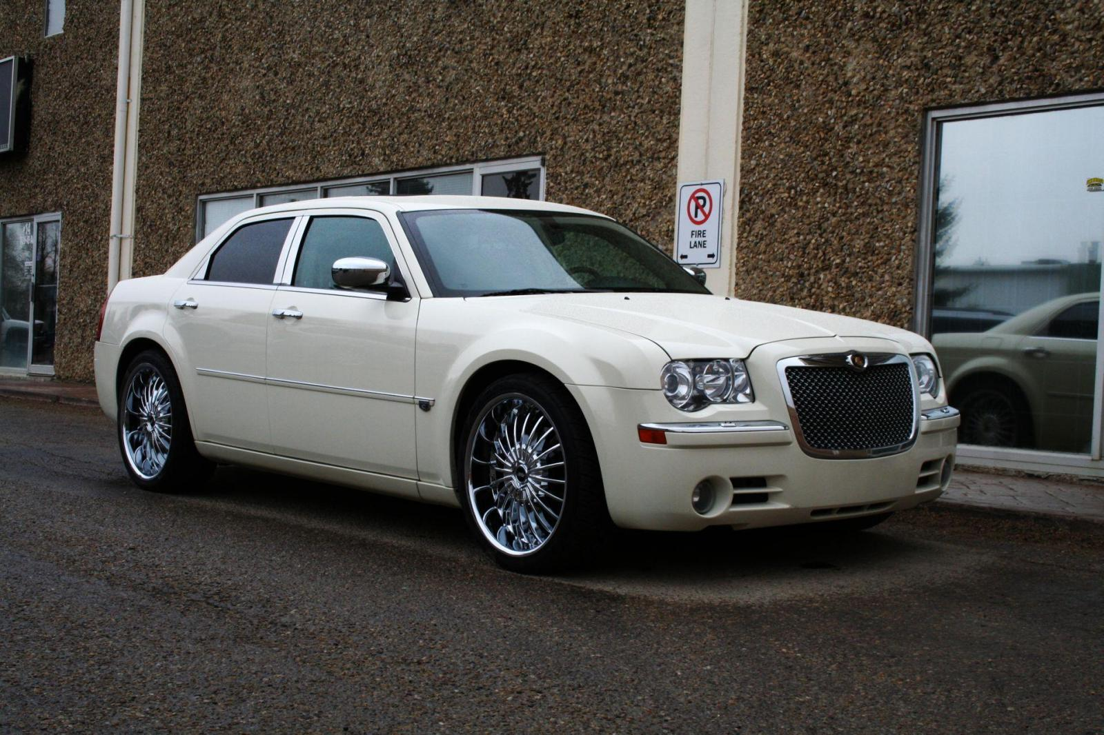 2009 chrysler 300 information and photos zombiedrive. Black Bedroom Furniture Sets. Home Design Ideas