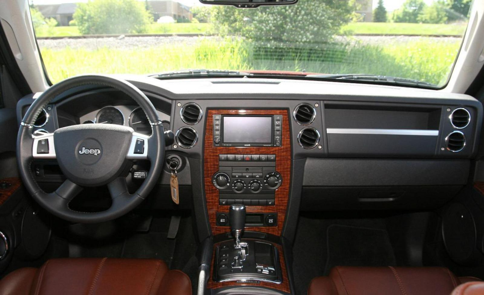 2009 jeep commander information and photos zombiedrive for Jeep commander interior