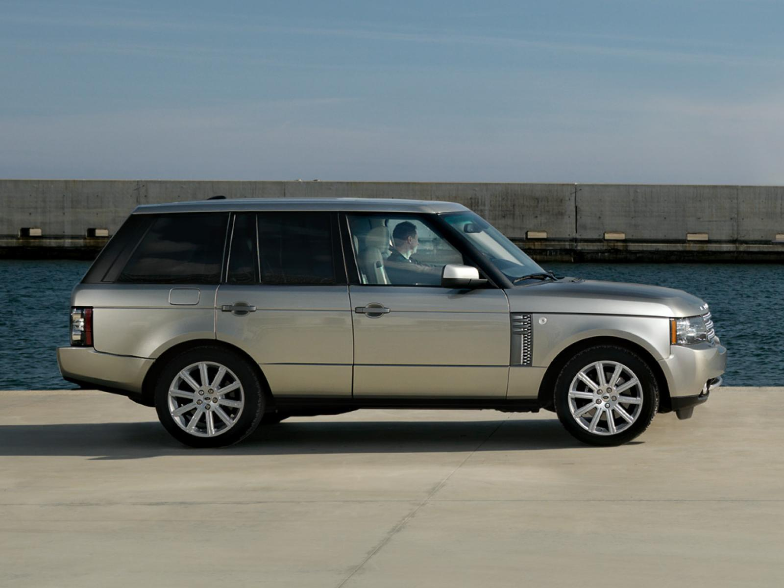2009 land rover range rover information and photos zombiedrive. Black Bedroom Furniture Sets. Home Design Ideas