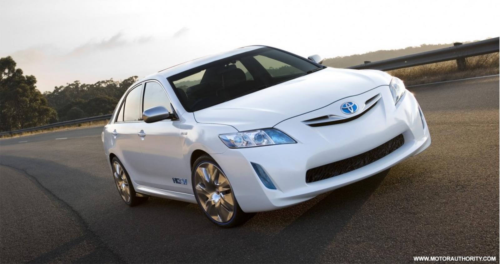 2009 toyota camry hybrid information and photos. Black Bedroom Furniture Sets. Home Design Ideas