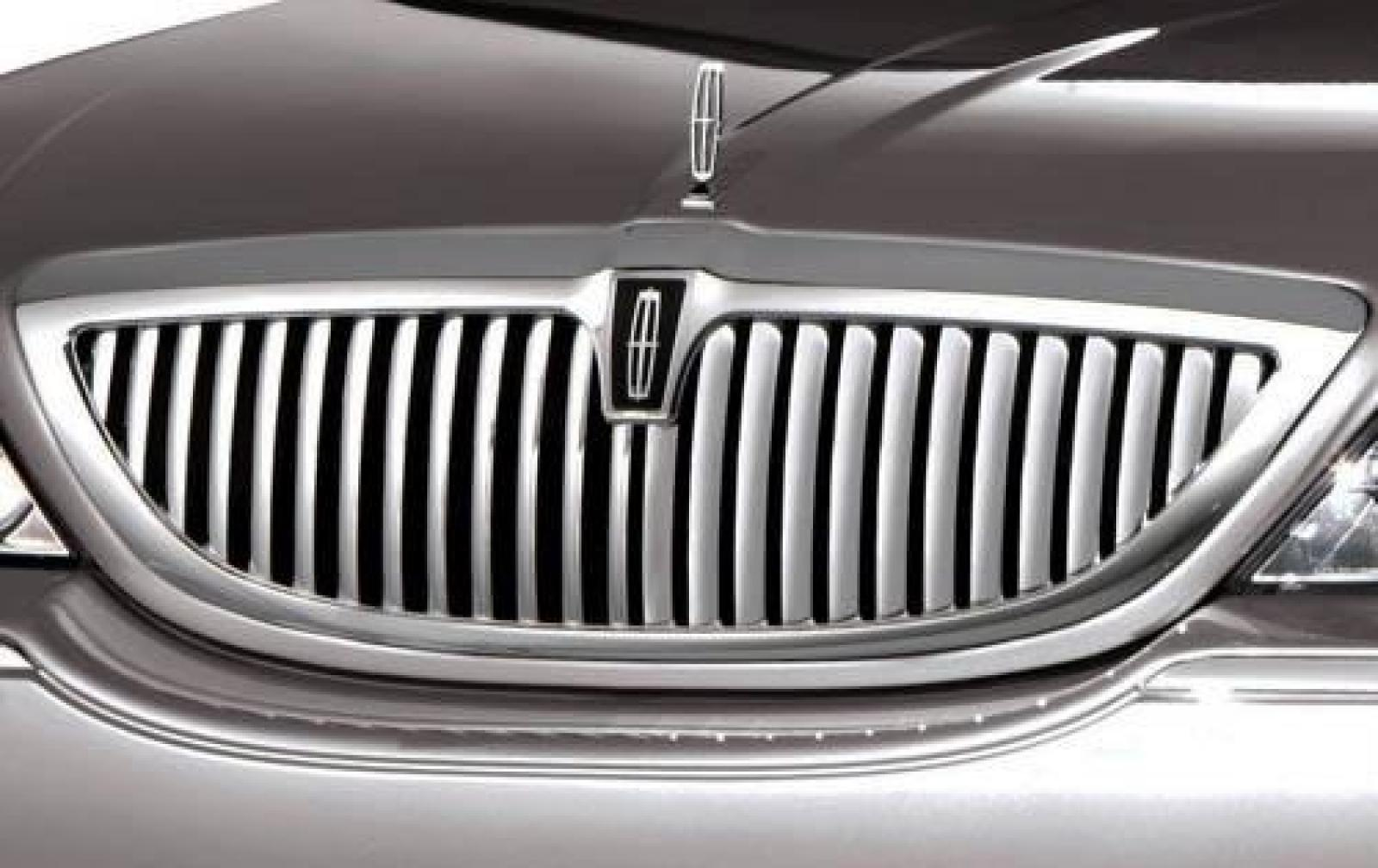 2009 Lincoln Town Car Information And Photos Zombiedrive