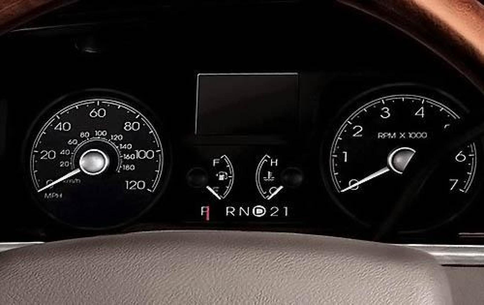 800 1024 1280 1600 origin 2009 lincoln town car
