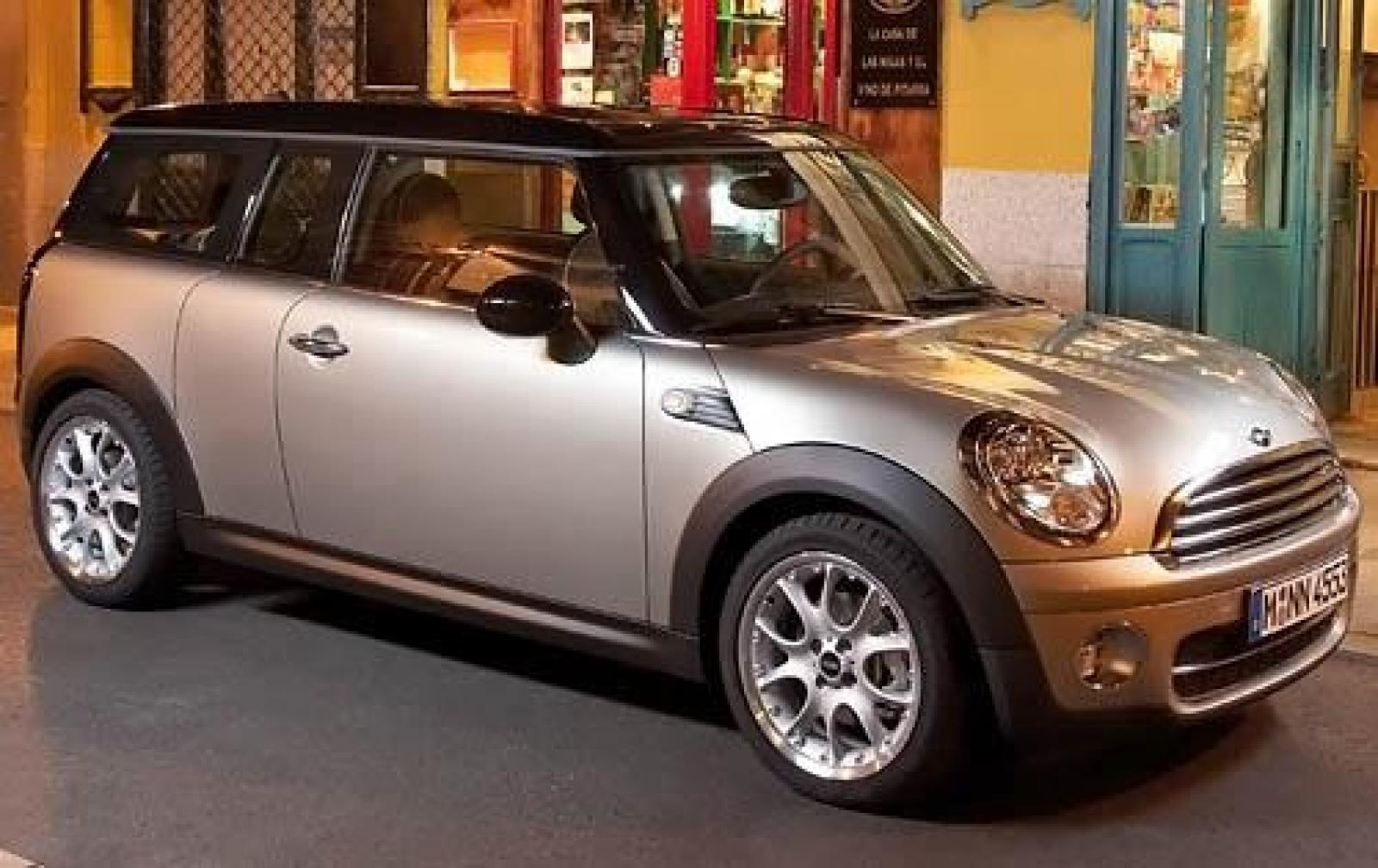 2009 mini cooper clubman information and photos. Black Bedroom Furniture Sets. Home Design Ideas