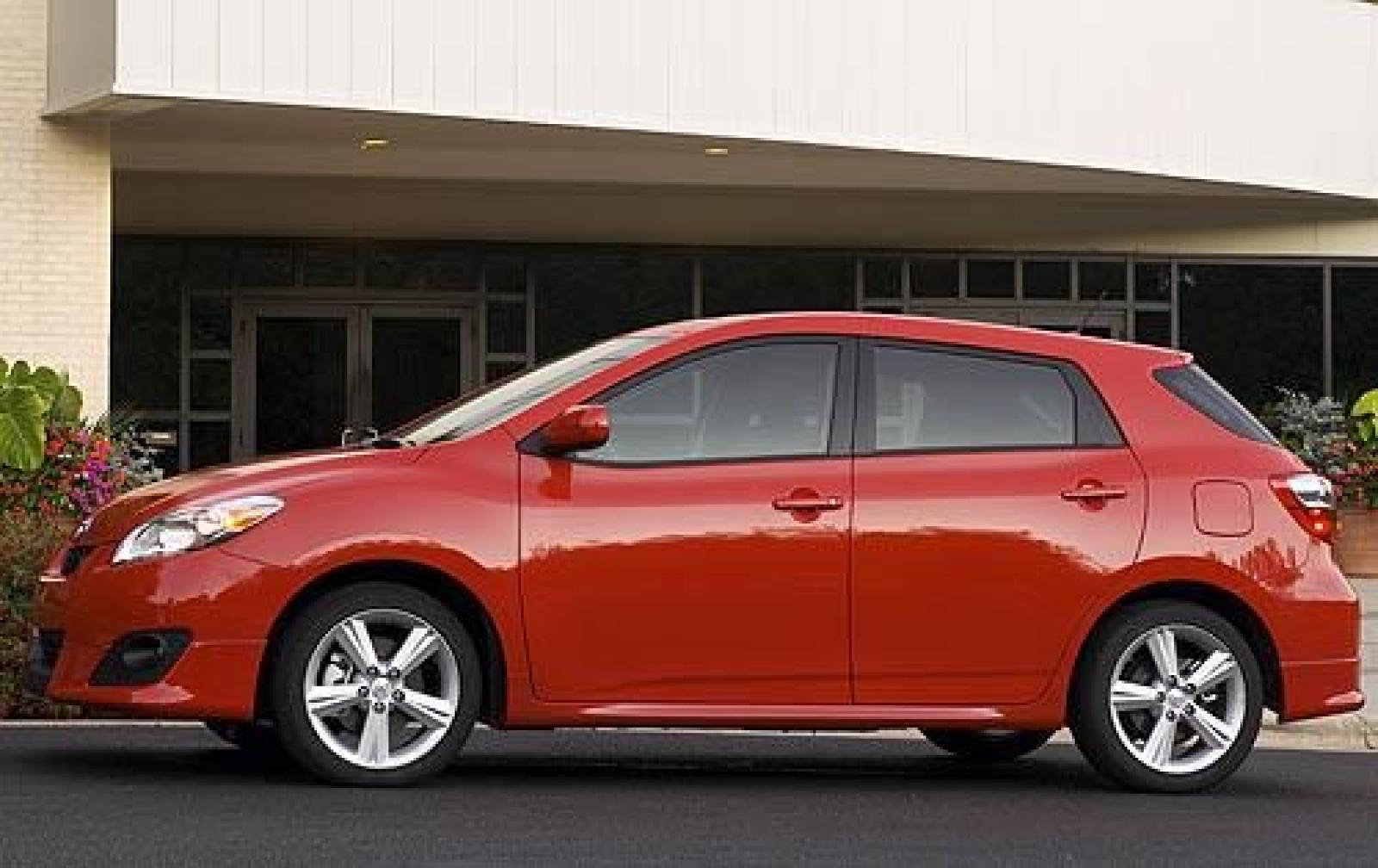 2010 toyota matrix information and photos zombiedrive. Black Bedroom Furniture Sets. Home Design Ideas