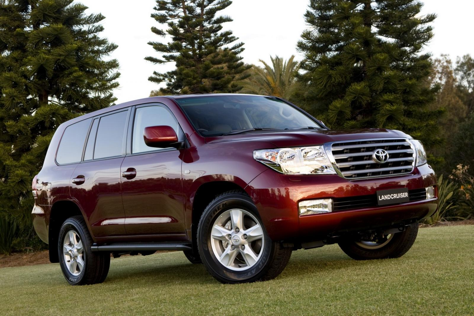 2010 toyota land cruiser information and photos zombiedrive. Black Bedroom Furniture Sets. Home Design Ideas