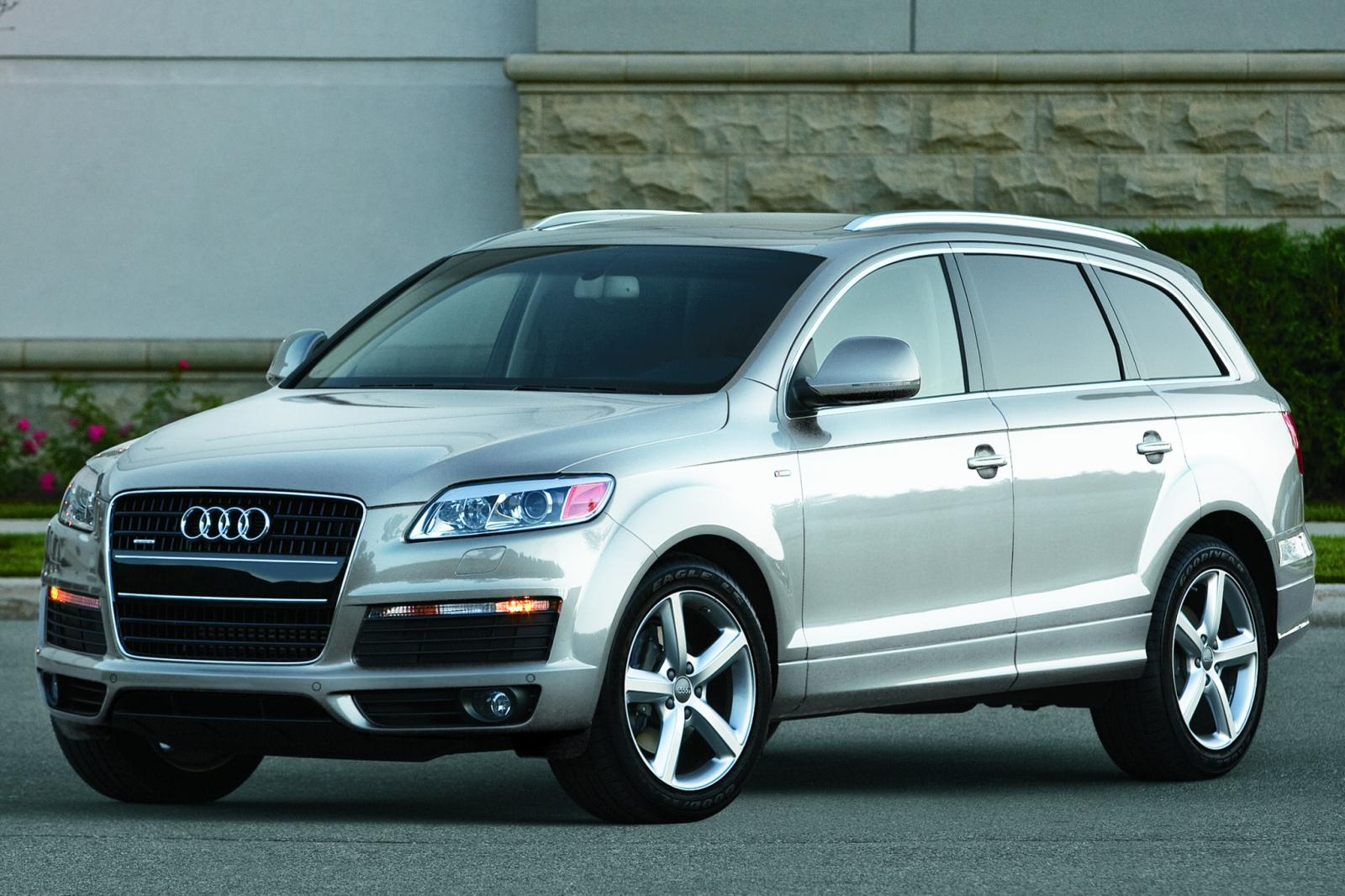 2010 audi q7 information and photos zombiedrive. Black Bedroom Furniture Sets. Home Design Ideas