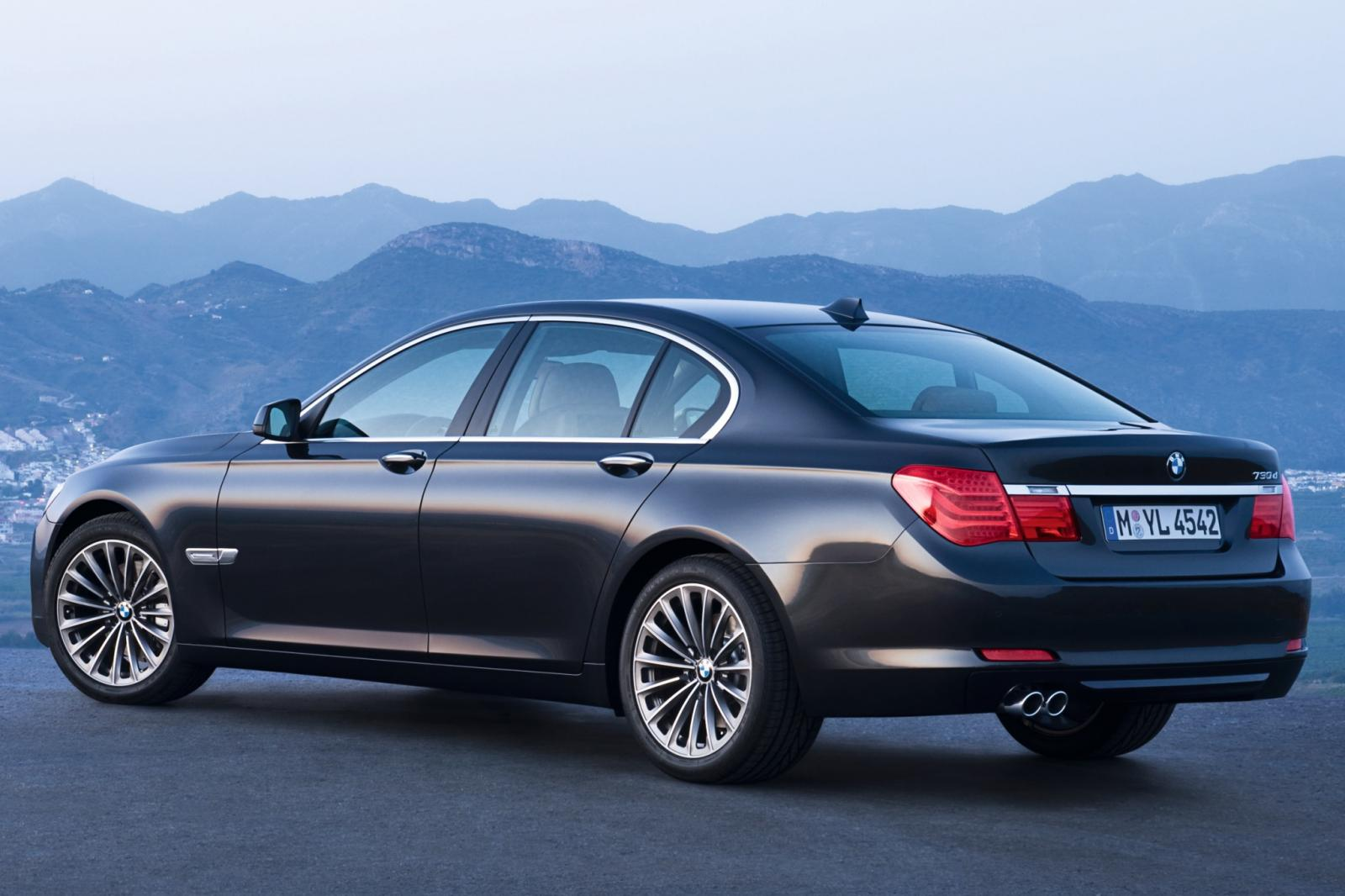 2010 Bmw 7 Series Information And Photos Zombiedrive