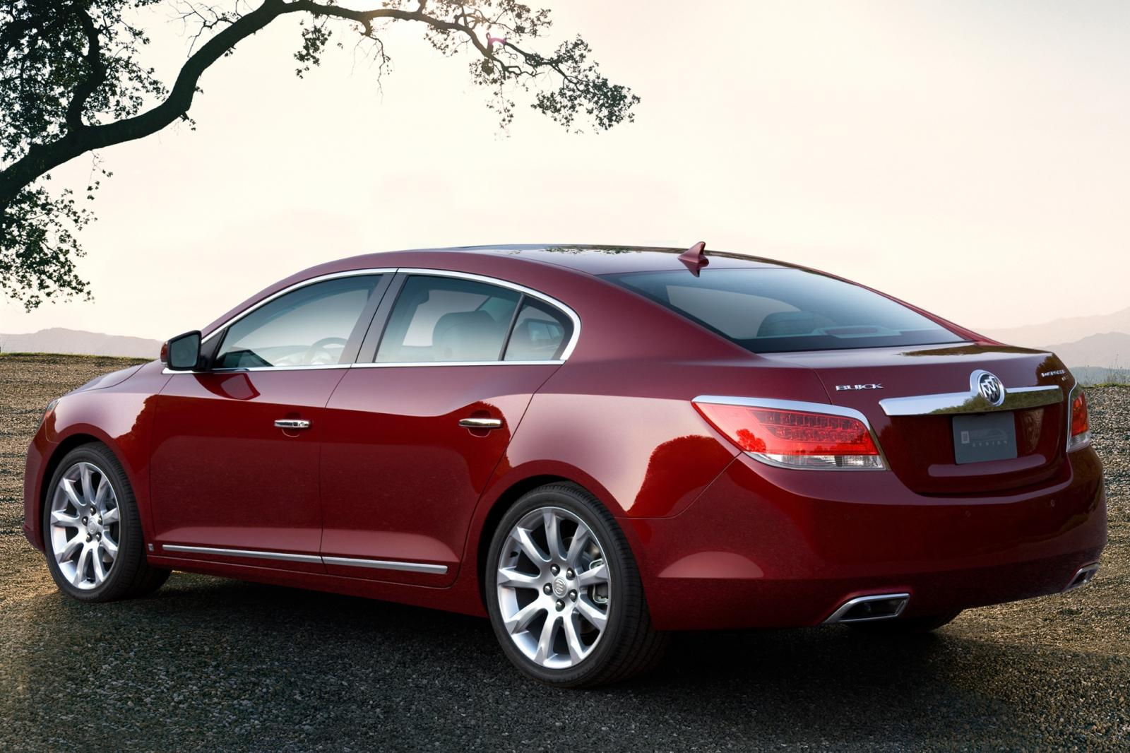 2010 buick lacrosse information and photos zombiedrive. Black Bedroom Furniture Sets. Home Design Ideas