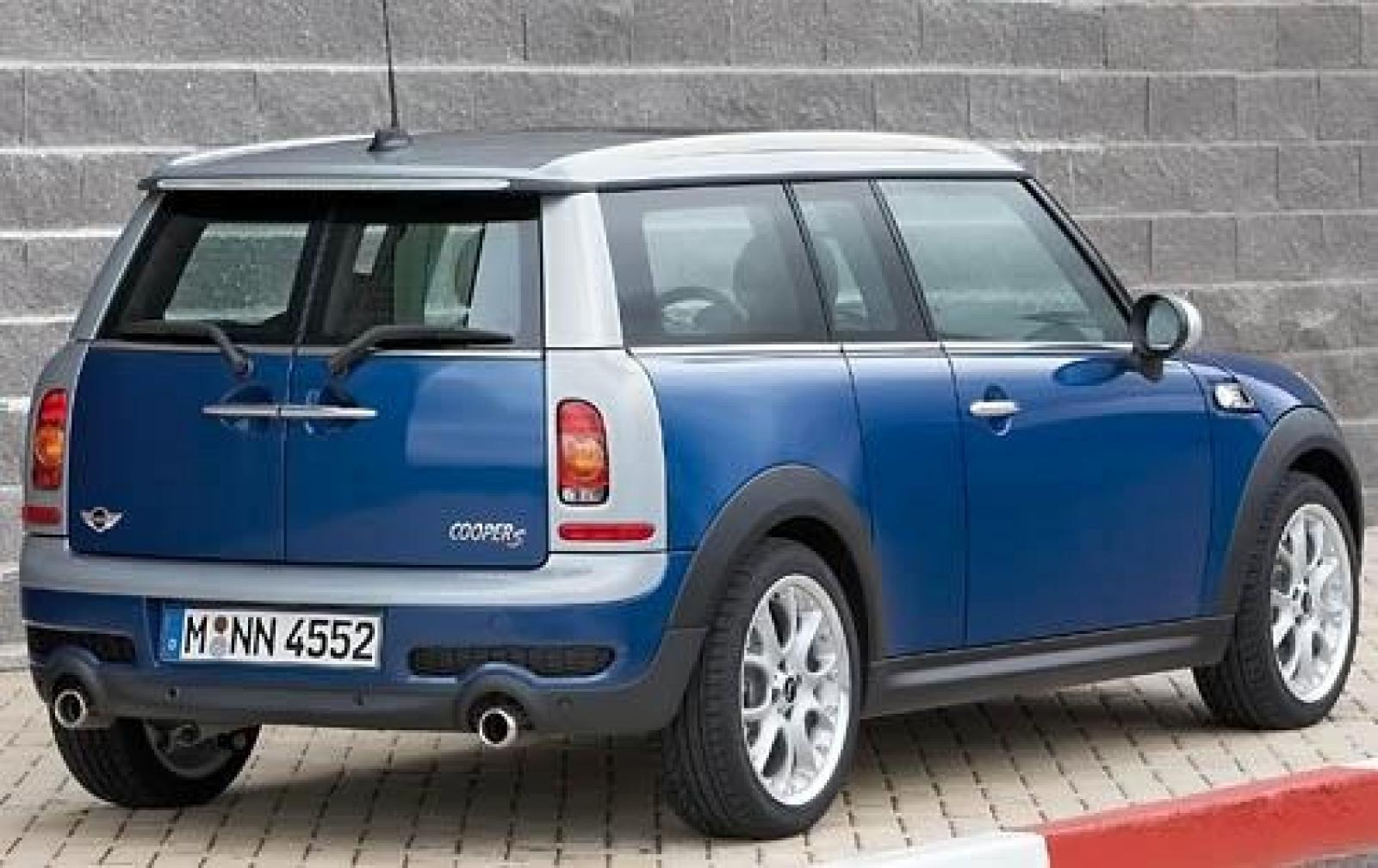 2011 mini cooper clubman information and photos zombiedrive. Black Bedroom Furniture Sets. Home Design Ideas