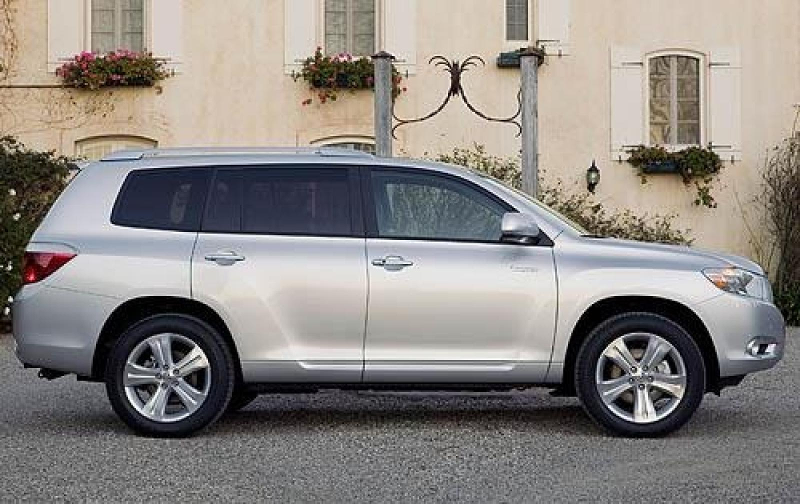 2010 Toyota Highlander Information And Photos Zombiedrive