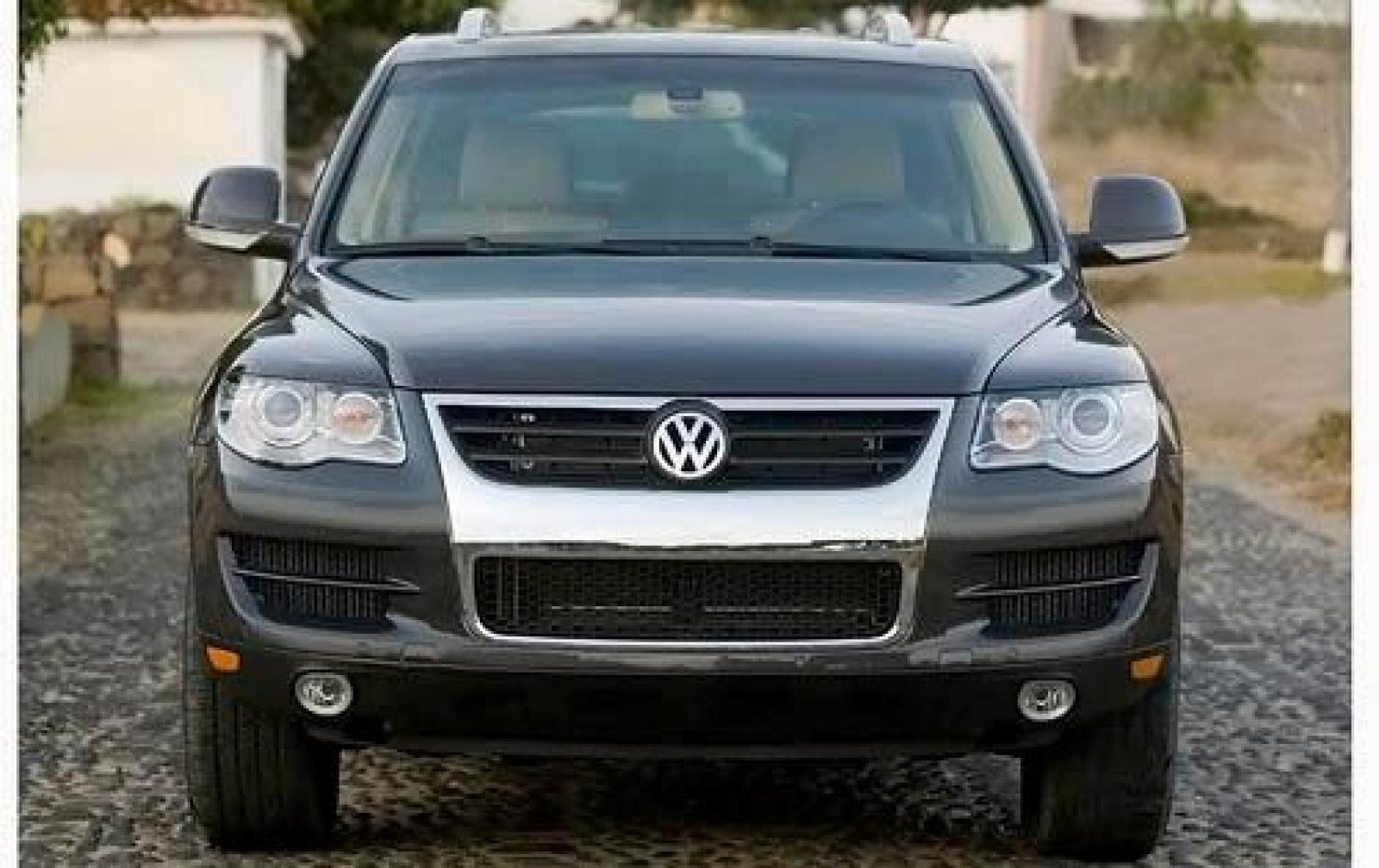 2010 volkswagen touareg information and photos zombiedrive. Black Bedroom Furniture Sets. Home Design Ideas