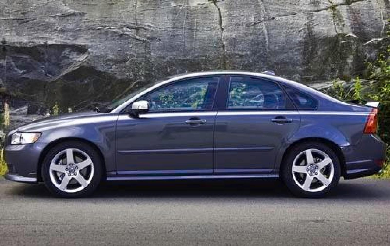2010 volvo s40 information and photos zombiedrive. Black Bedroom Furniture Sets. Home Design Ideas