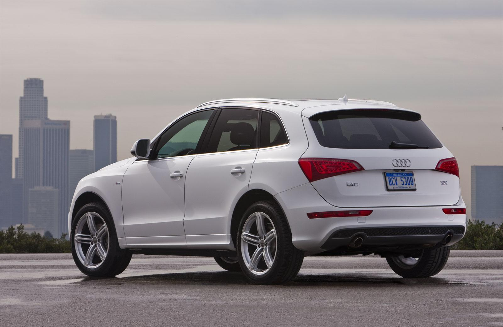 2011 audi q5 information and photos zombiedrive. Black Bedroom Furniture Sets. Home Design Ideas