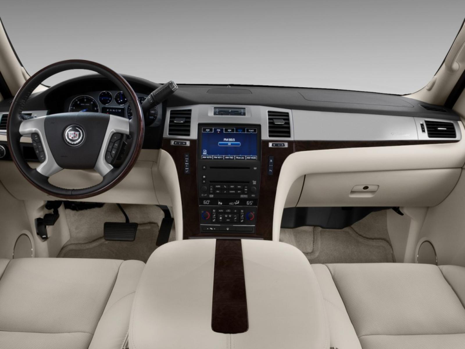 2011 Cadillac Escalade Information And Photos Zombiedrive