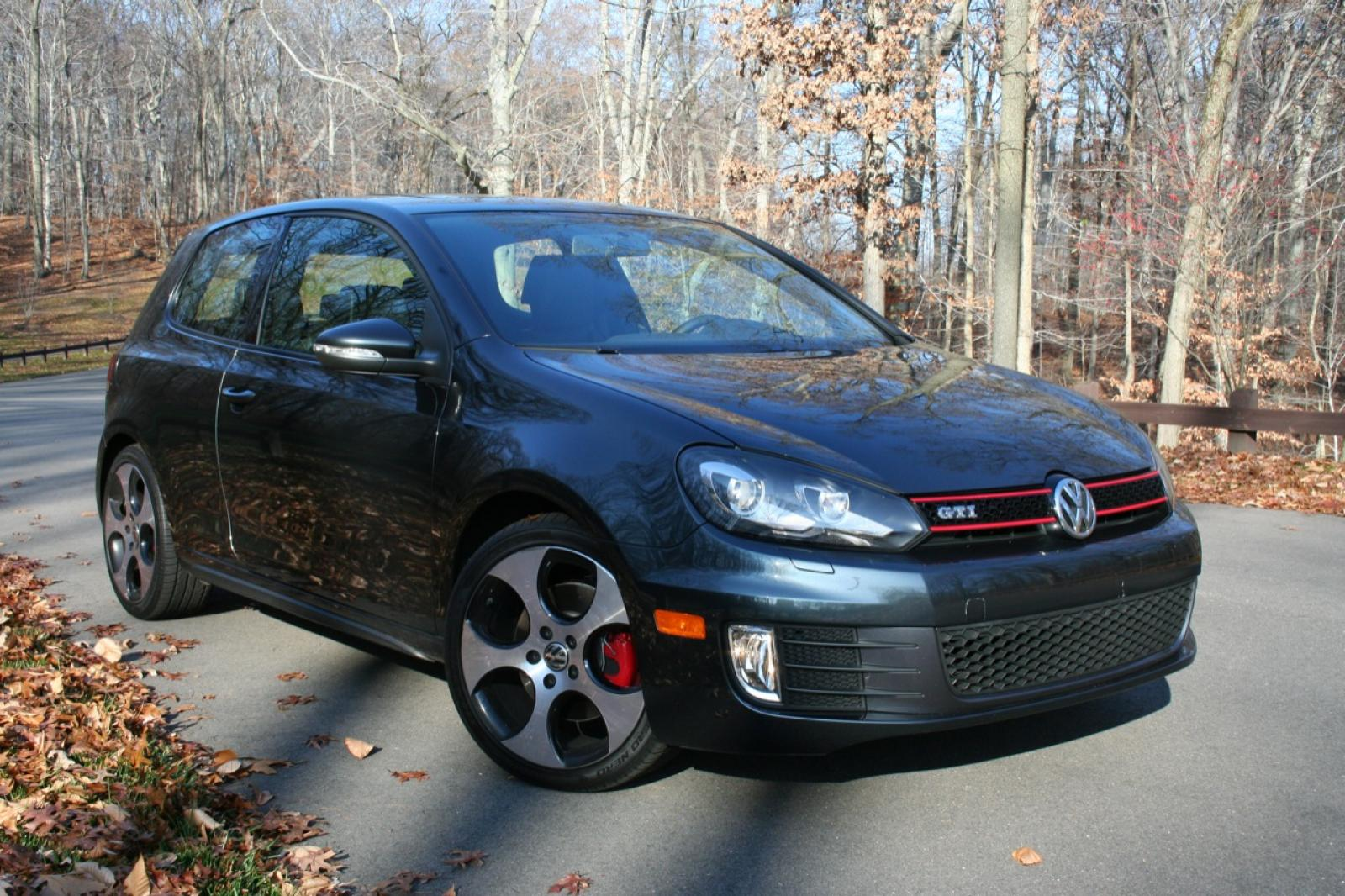 2011 Volkswagen Gti Information And Photos Zombiedrive