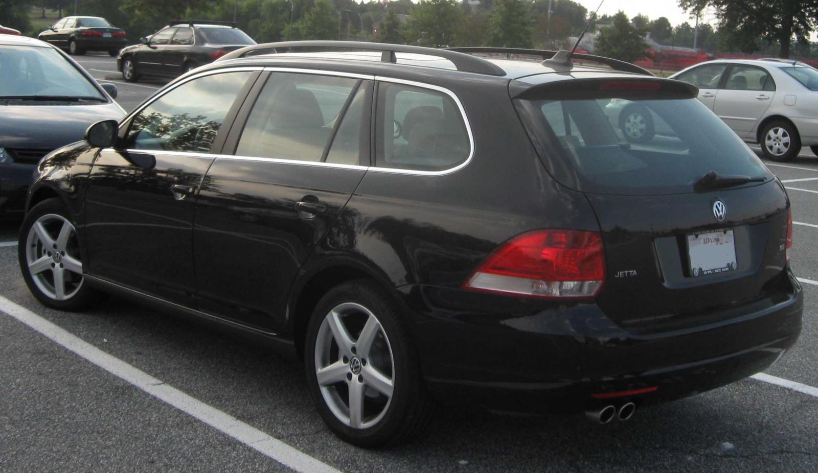 2011 Volkswagen Jetta SportWagen  Information and photos