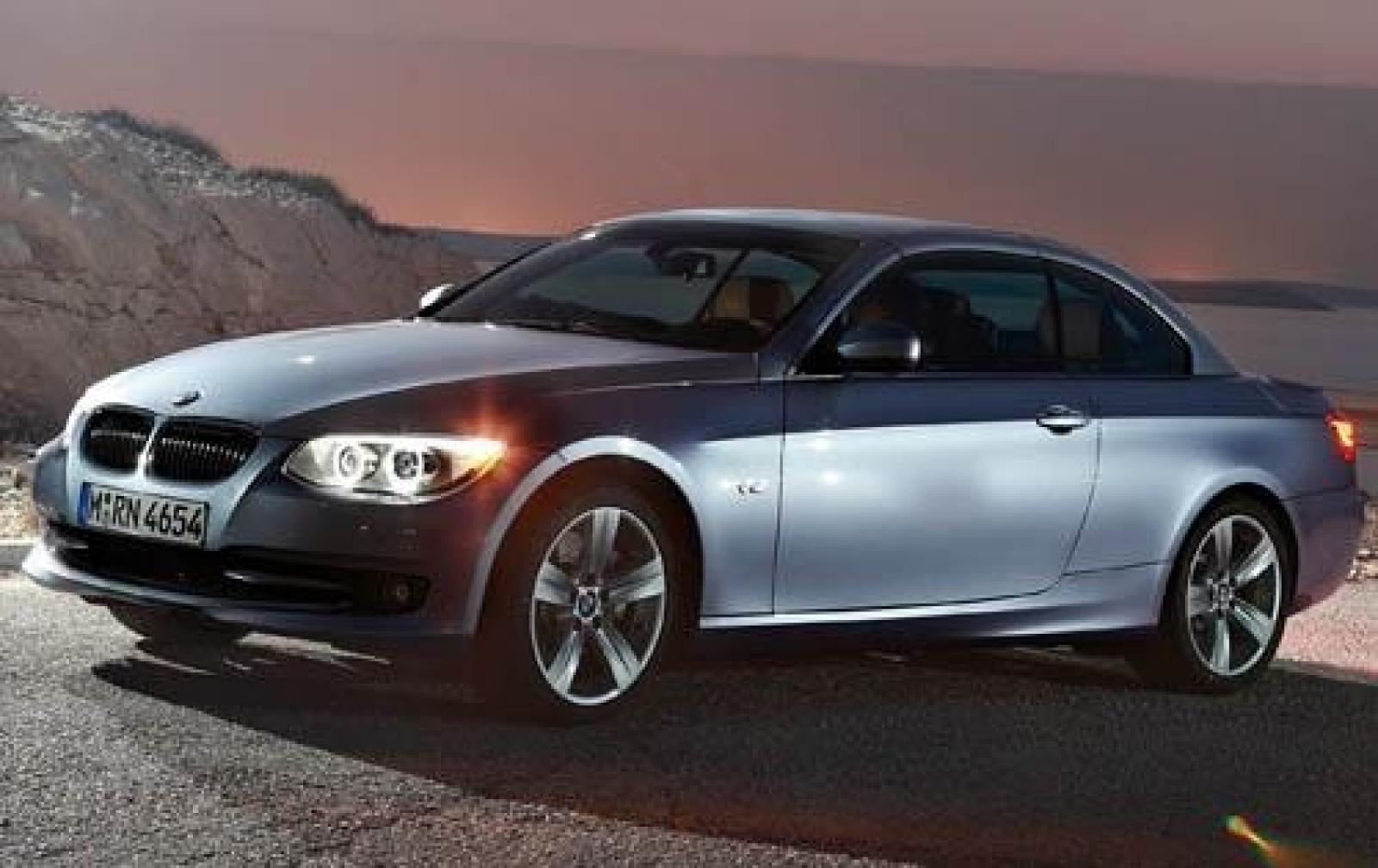 2011 bmw 3 series information and photos zombiedrive. Black Bedroom Furniture Sets. Home Design Ideas