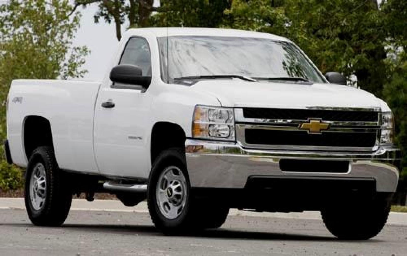 2011 Chevrolet Silverado 2500HD - Information and photos ...