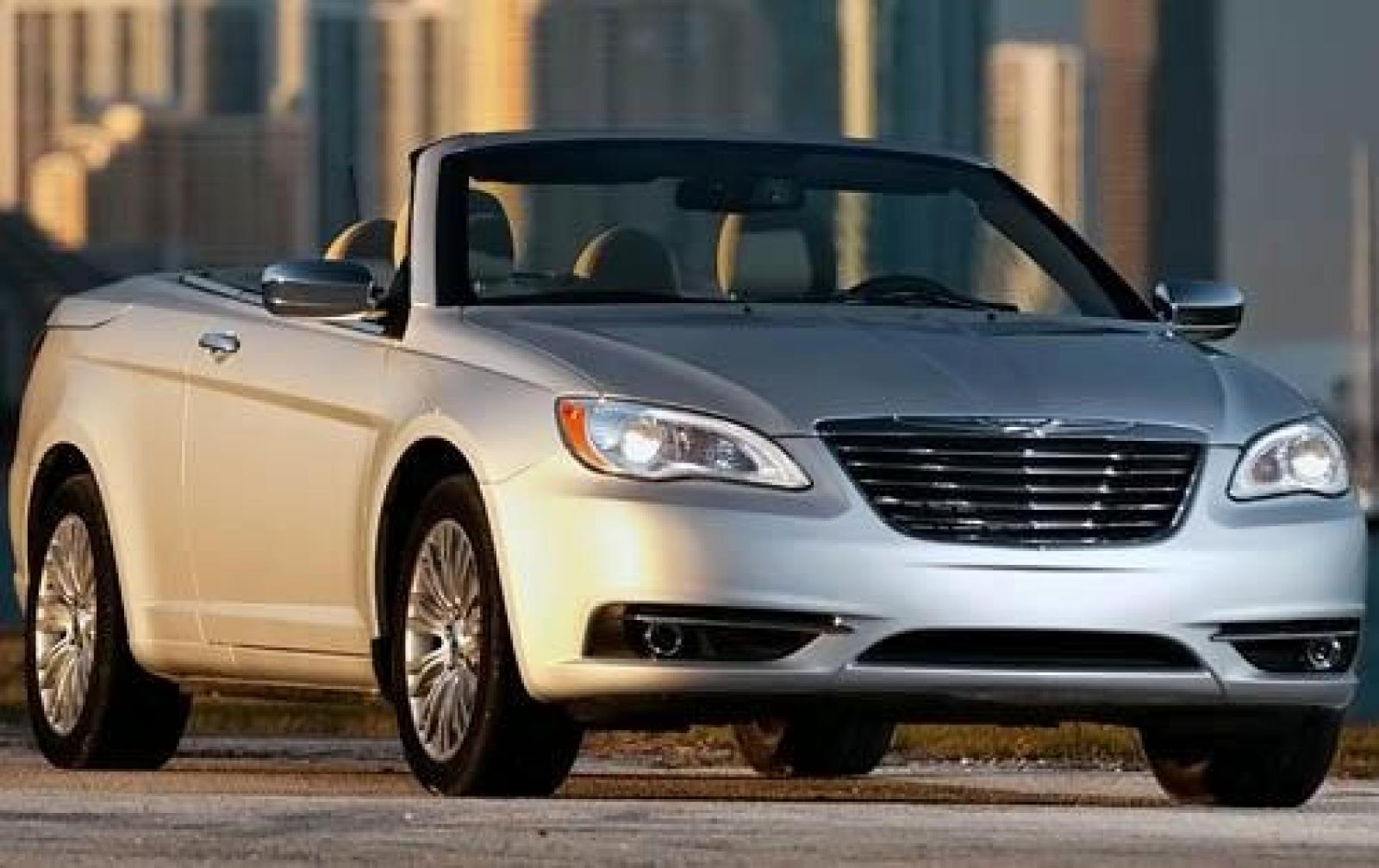 2011 chrysler 200 information and photos zombiedrive. Black Bedroom Furniture Sets. Home Design Ideas