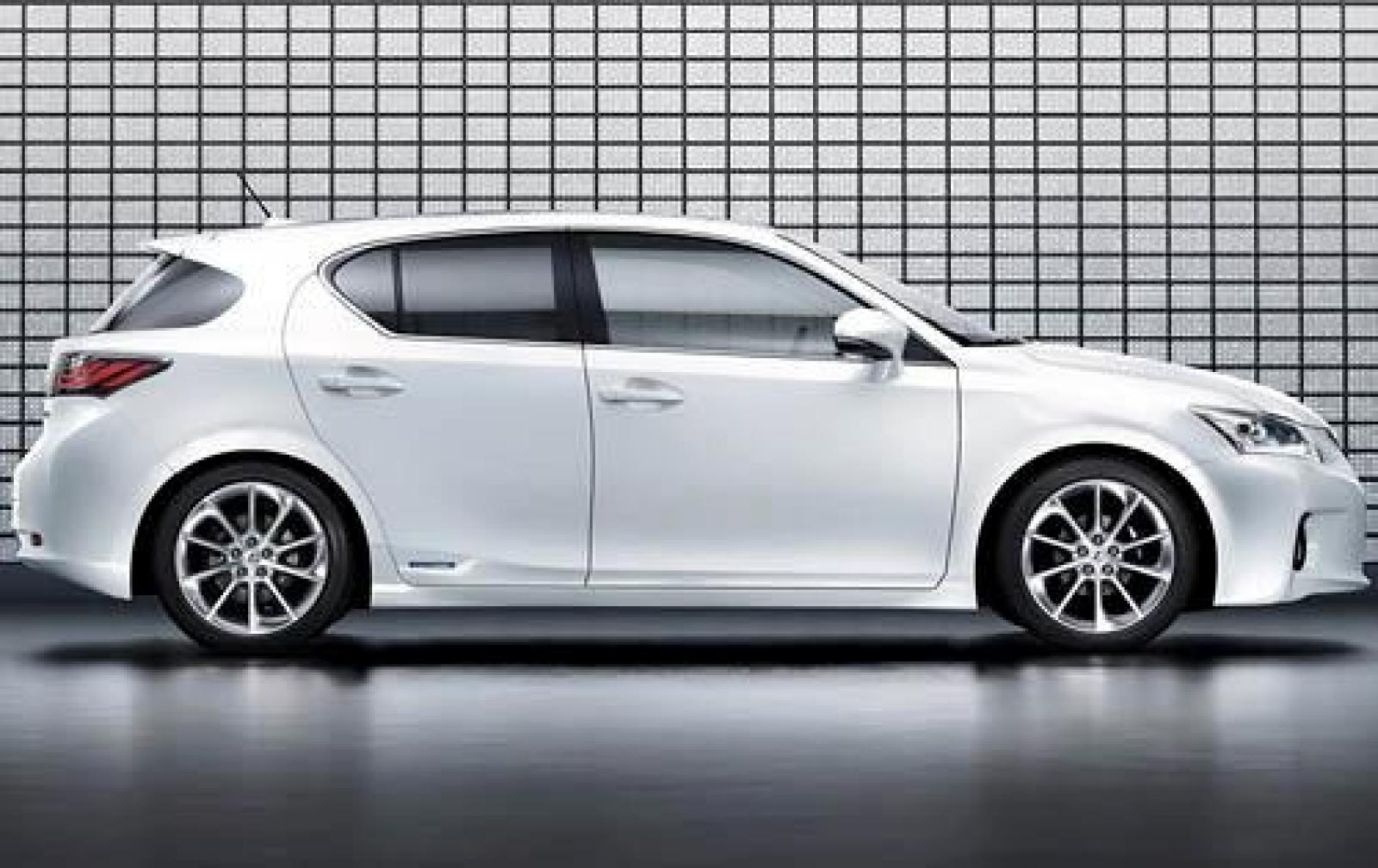 2011 Lexus Ct 200h Information And Photos Zombiedrive