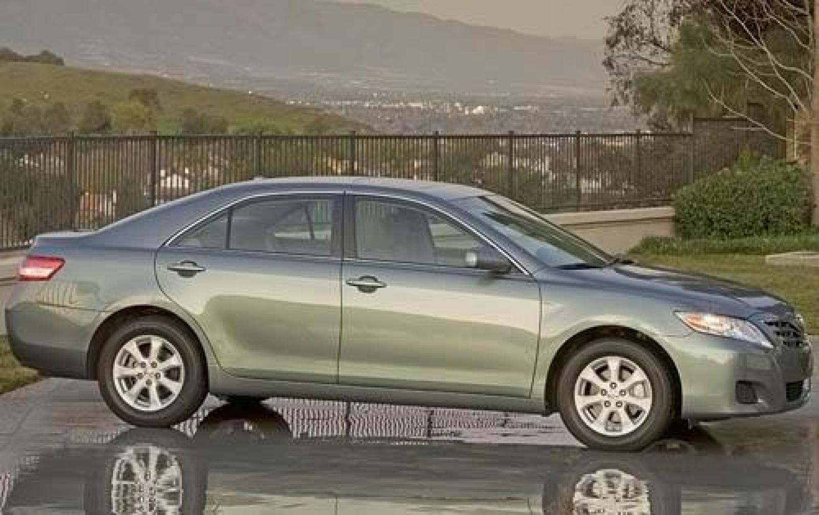 2011 Toyota Camry Information And Photos Zombiedrive Interior Le Inte 2 800 1024 1280 1600 Origin