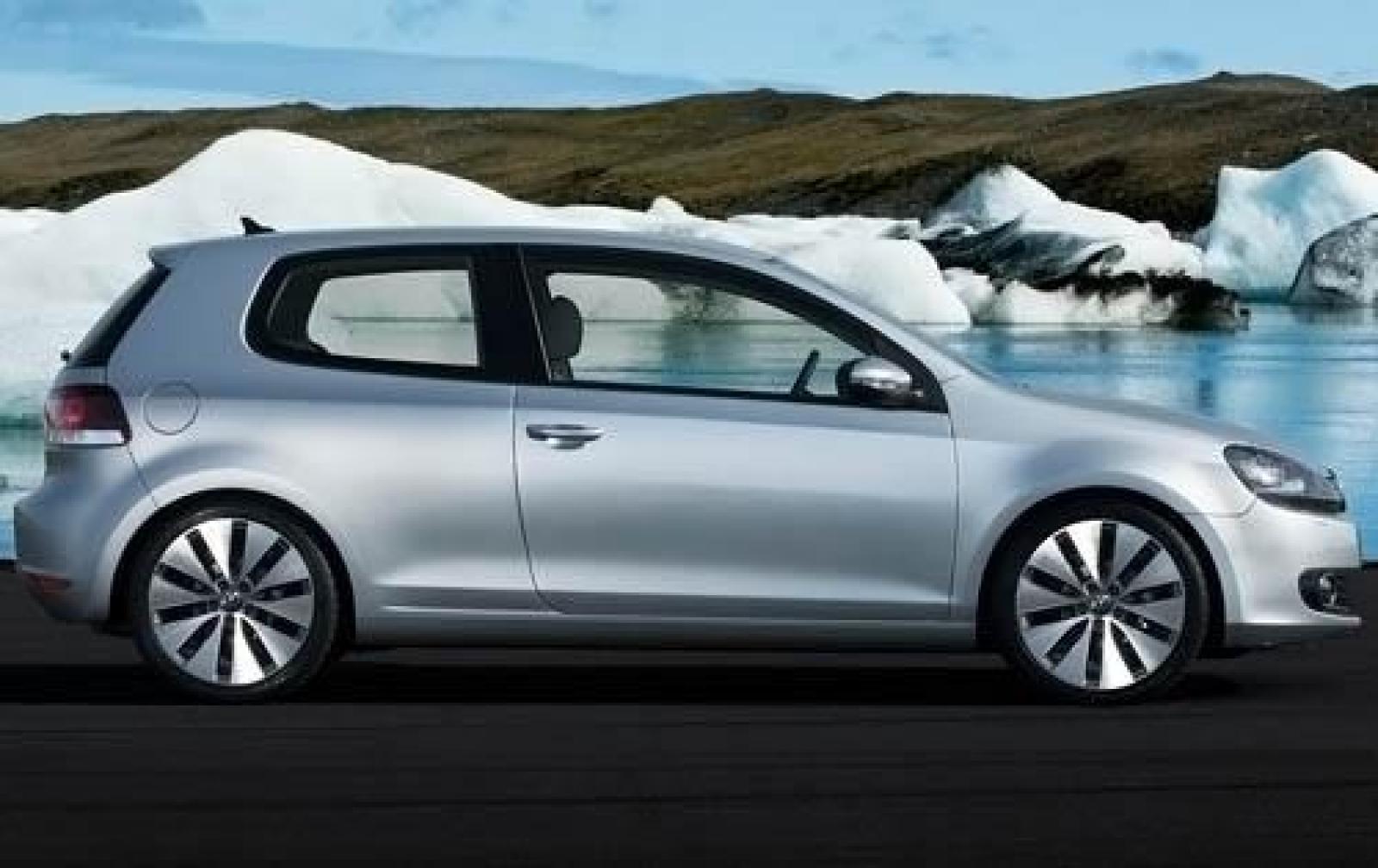 2011 Volkswagen Golf Information And Photos Zombiedrive