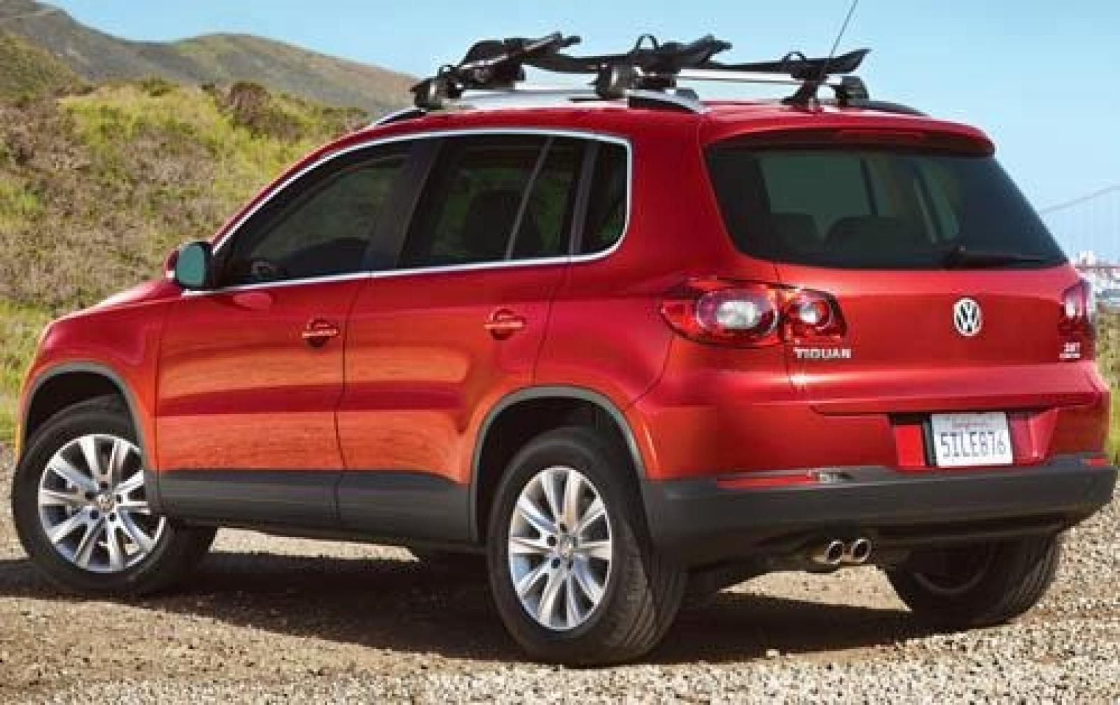 2011 volkswagen tiguan information and photos zombiedrive. Black Bedroom Furniture Sets. Home Design Ideas