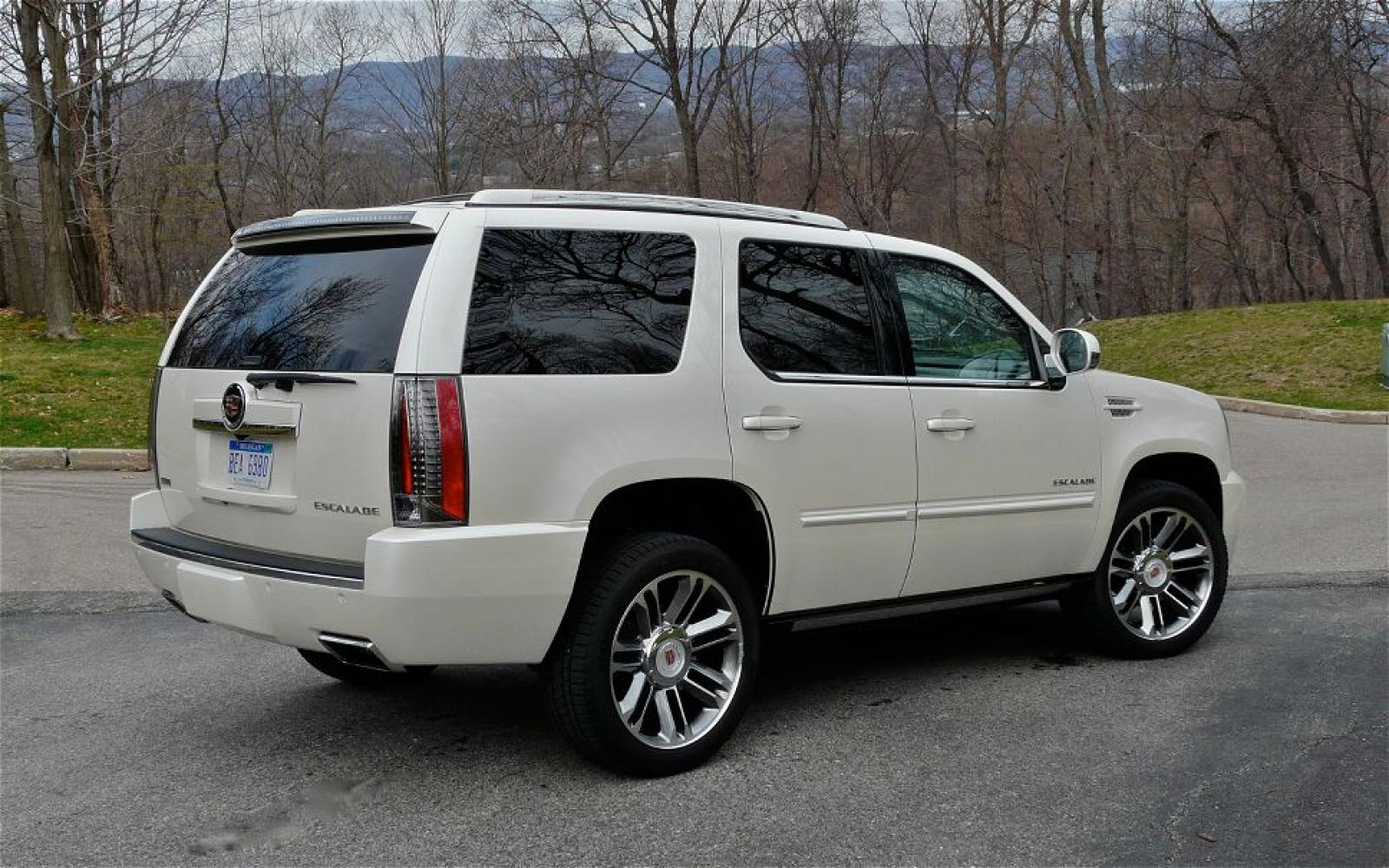 2012 Cadillac Escalade Information And Photos Zombiedrive