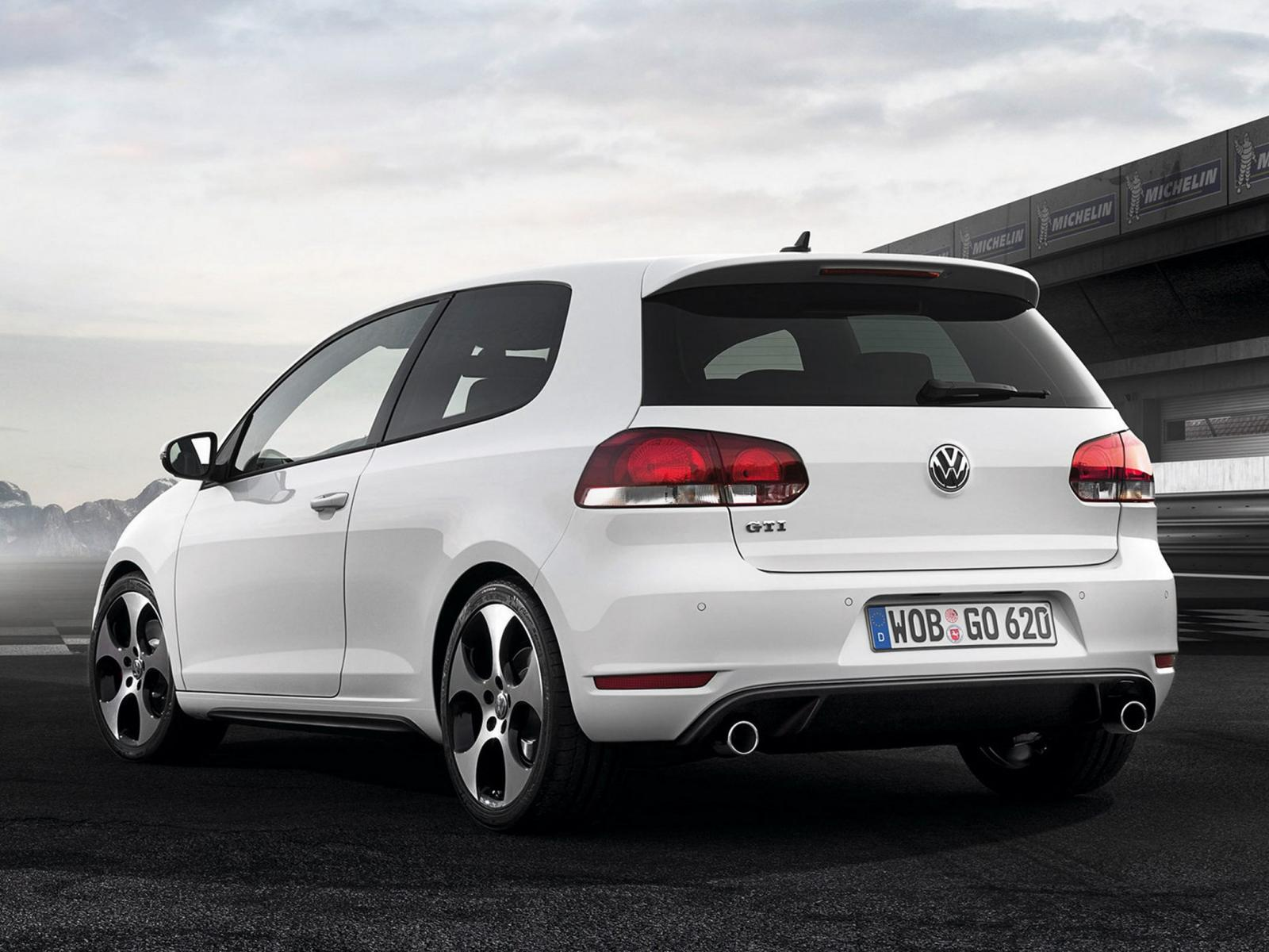 2012 volkswagen gti information and photos zombiedrive. Black Bedroom Furniture Sets. Home Design Ideas