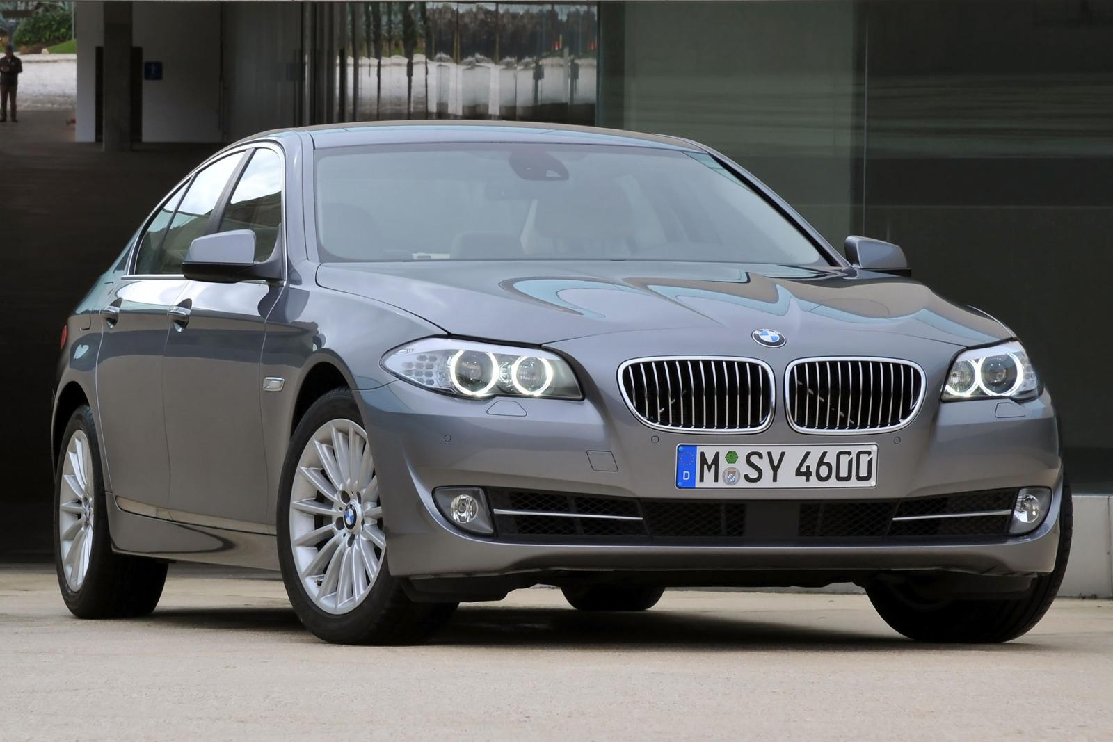 2012 bmw 5 series information and photos zombiedrive. Black Bedroom Furniture Sets. Home Design Ideas