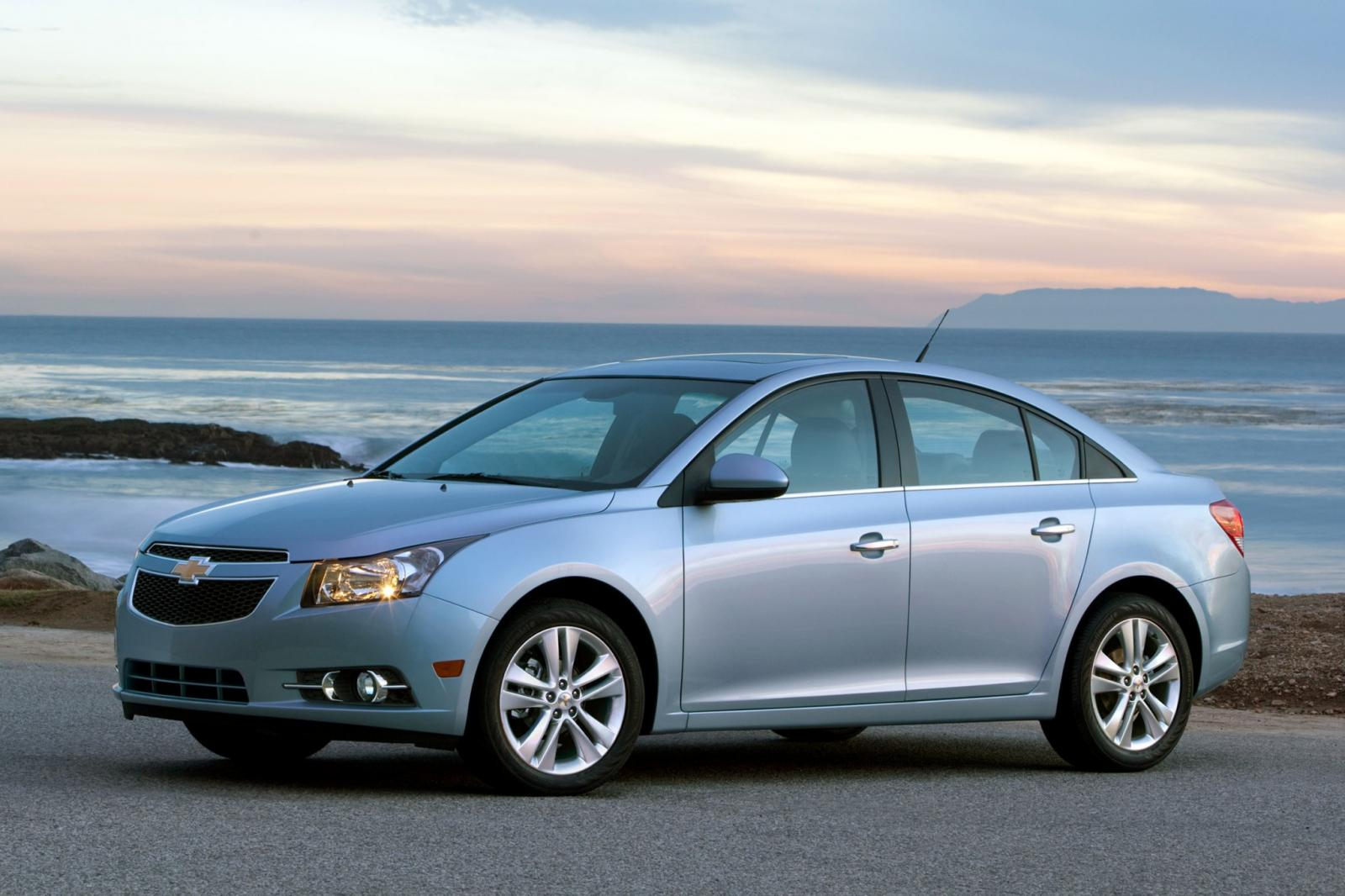 2012 chevrolet cruze information and photos zombiedrive. Black Bedroom Furniture Sets. Home Design Ideas