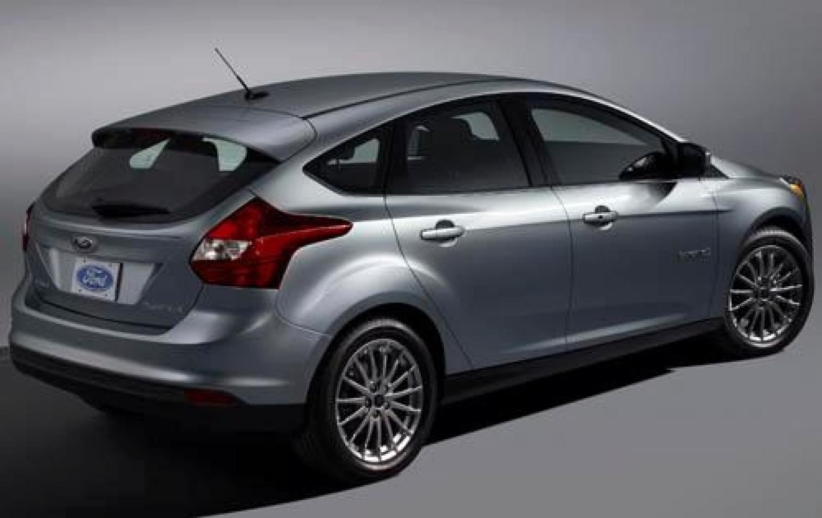 2012 ford focus information and photos zombiedrive. Black Bedroom Furniture Sets. Home Design Ideas