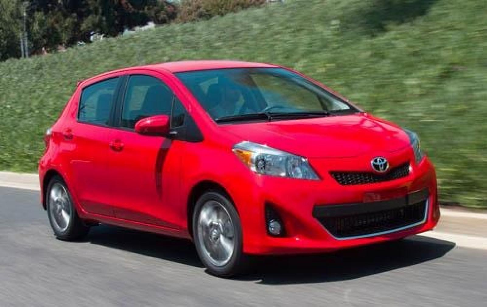 2012 toyota yaris information and photos zombiedrive. Black Bedroom Furniture Sets. Home Design Ideas