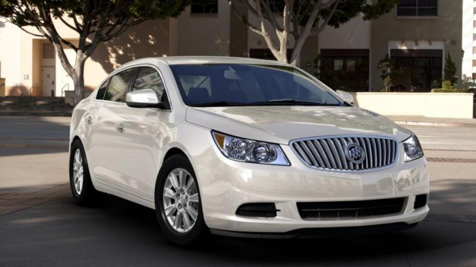 2013 buick lacrosse information and photos zombiedrive. Black Bedroom Furniture Sets. Home Design Ideas