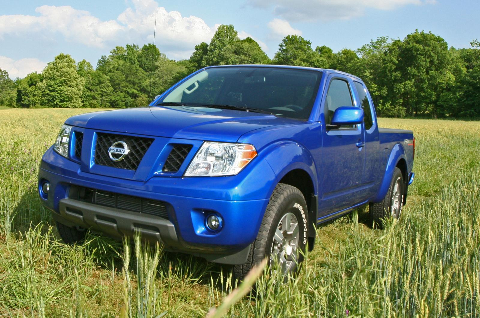 2013 nissan frontier information and photos zombiedrive. Black Bedroom Furniture Sets. Home Design Ideas