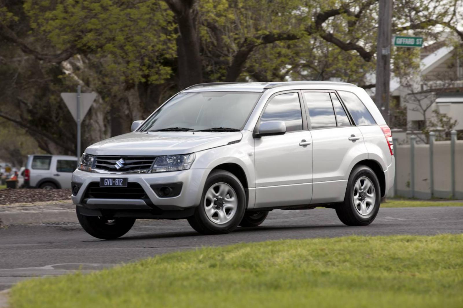 2013 suzuki grand vitara information and photos zombiedrive. Black Bedroom Furniture Sets. Home Design Ideas