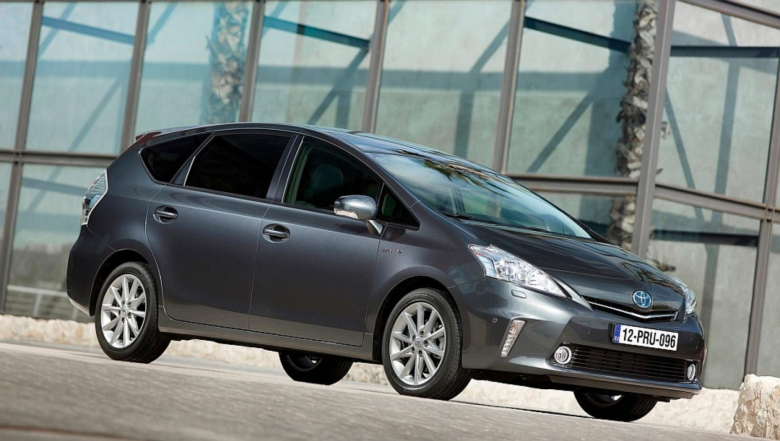 2013 toyota prius v information and photos zombiedrive. Black Bedroom Furniture Sets. Home Design Ideas