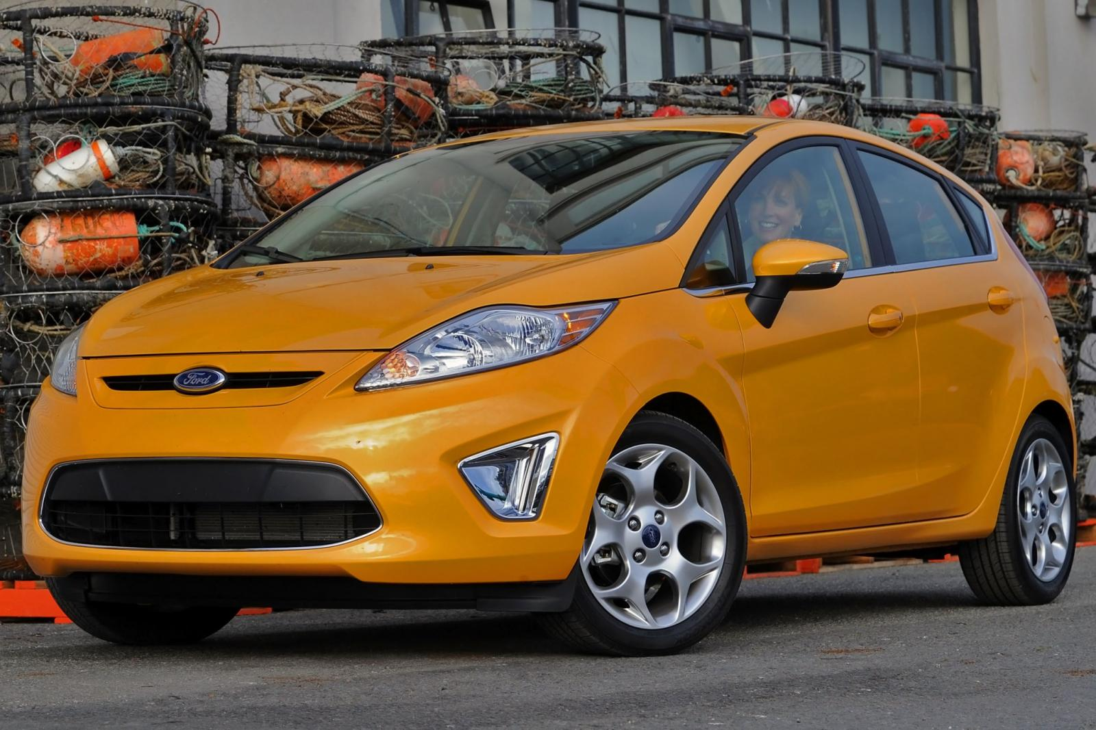 2013 ford fiesta information and photos zombiedrive. Black Bedroom Furniture Sets. Home Design Ideas