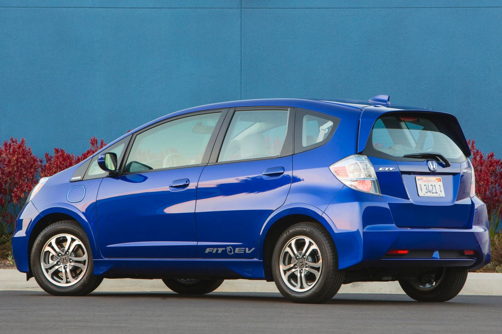 2013 honda fit ev information and photos zombiedrive for Honda fit ev