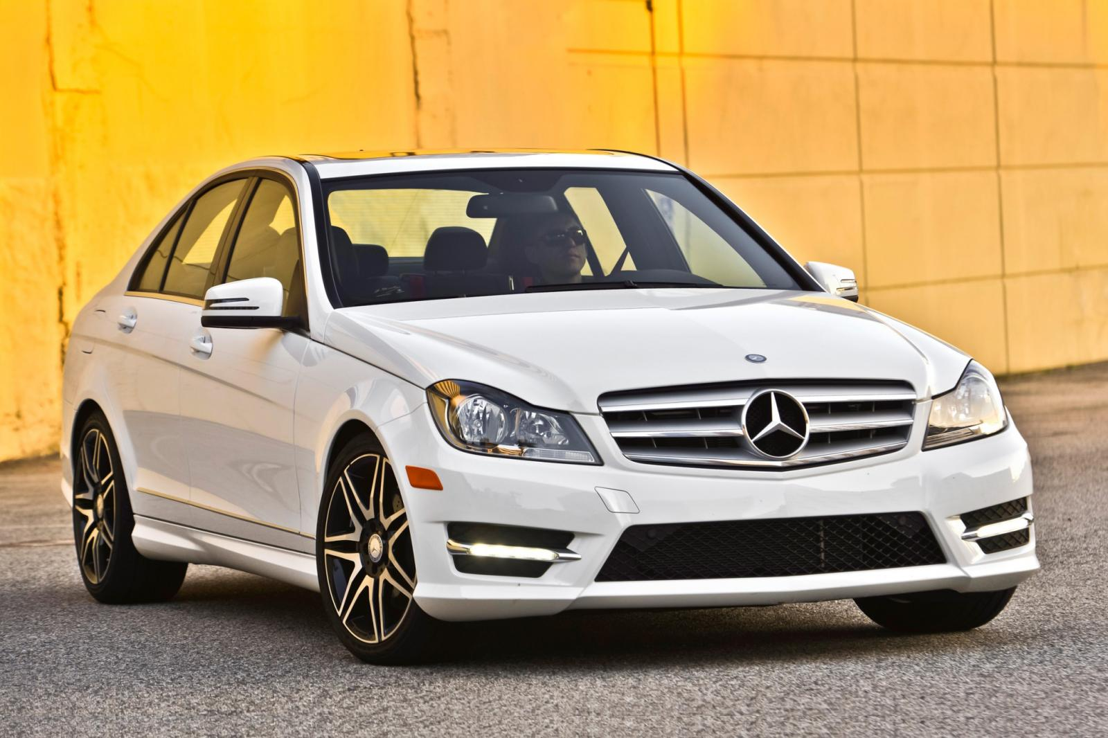2014 mercedes benz c class information and photos zombiedrive. Black Bedroom Furniture Sets. Home Design Ideas