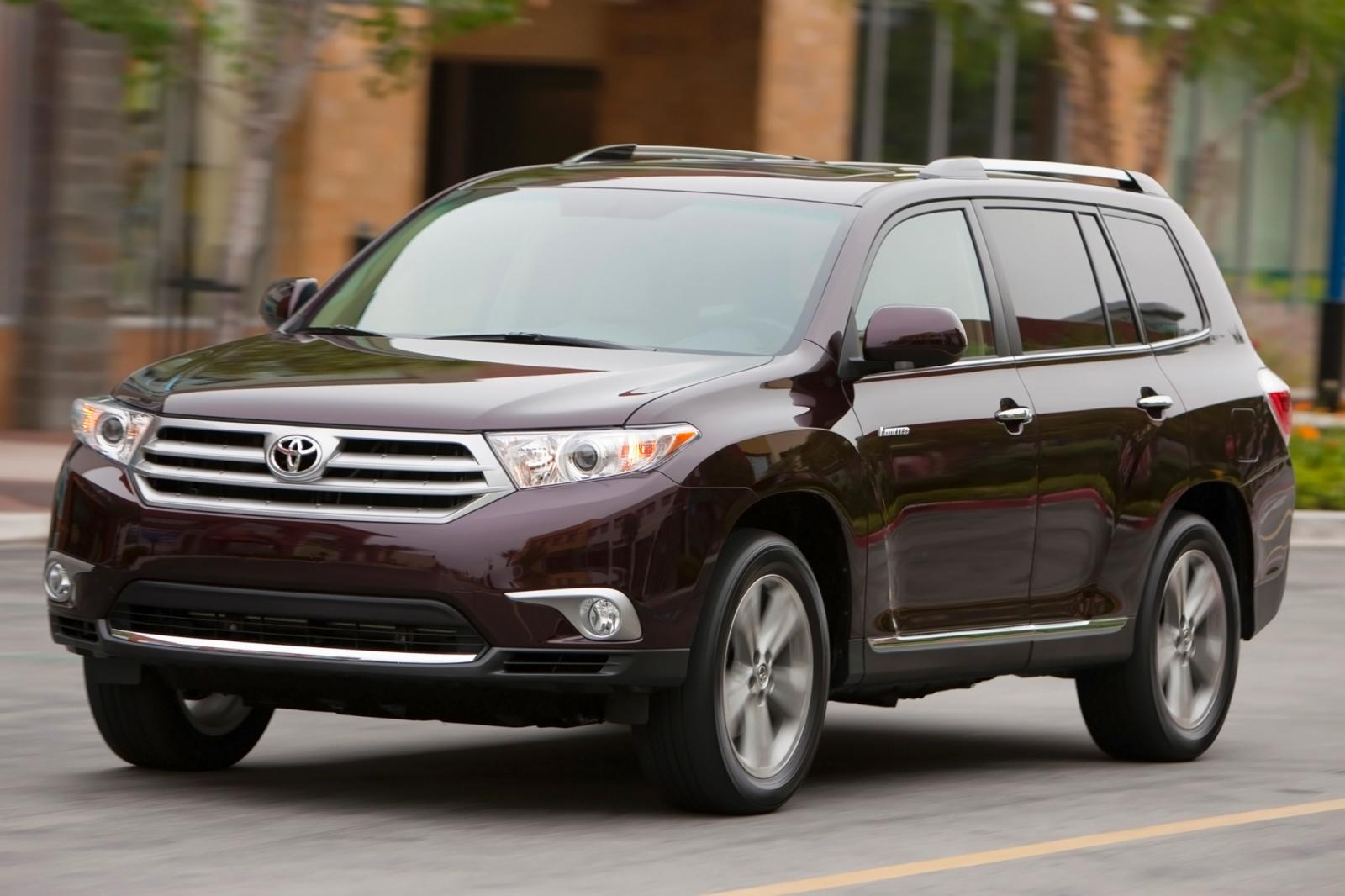 2013 toyota highlander information and photos zombiedrive. Black Bedroom Furniture Sets. Home Design Ideas