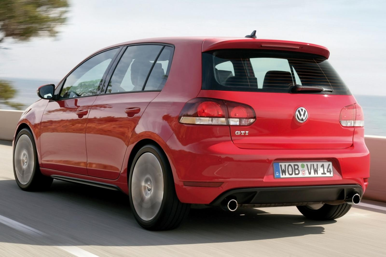 2014 volkswagen gti information and photos zombiedrive. Black Bedroom Furniture Sets. Home Design Ideas