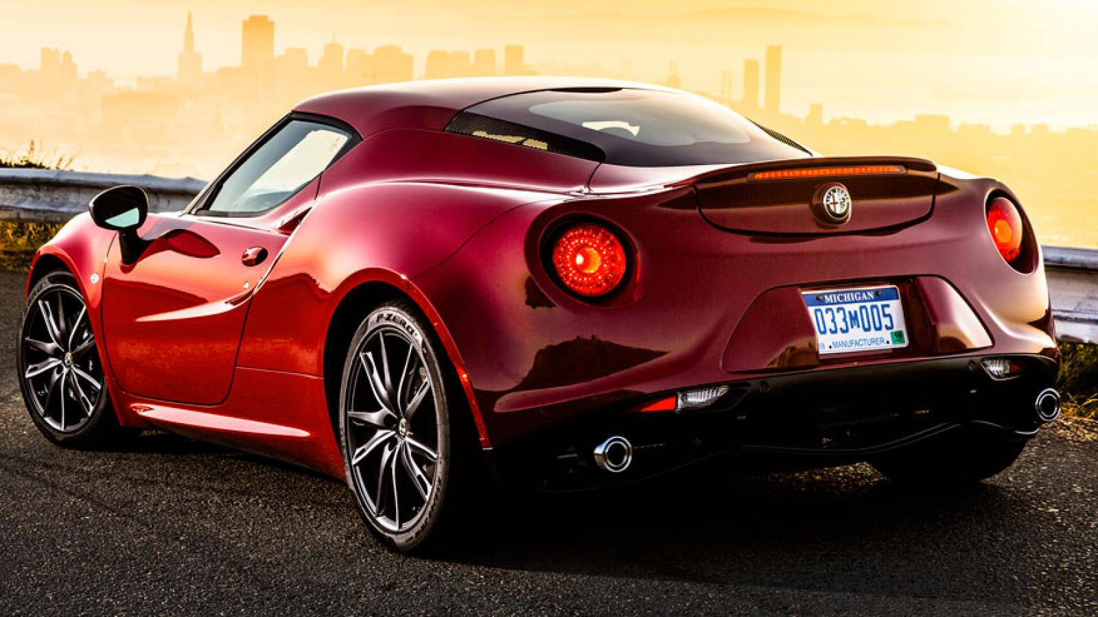 2015 alfa romeo 4c information and photos zombiedrive. Black Bedroom Furniture Sets. Home Design Ideas