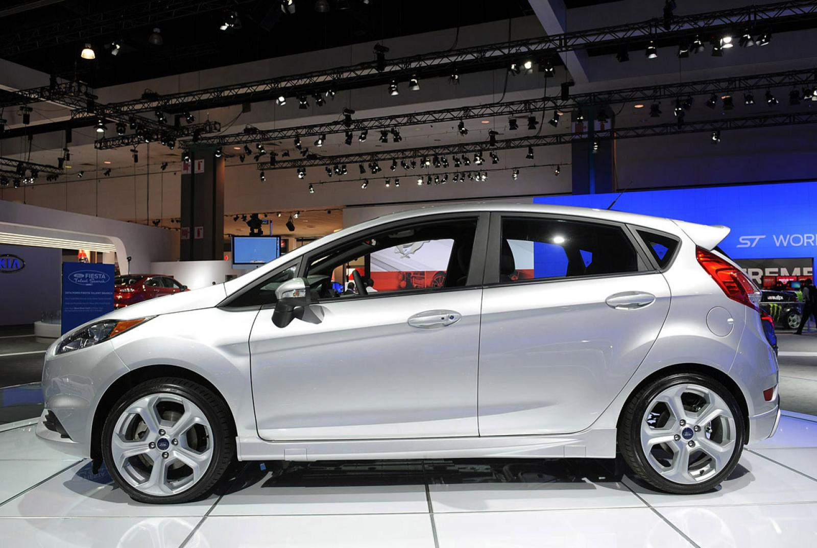 2015 Ford Fiesta Information And Photos Zomb Drive