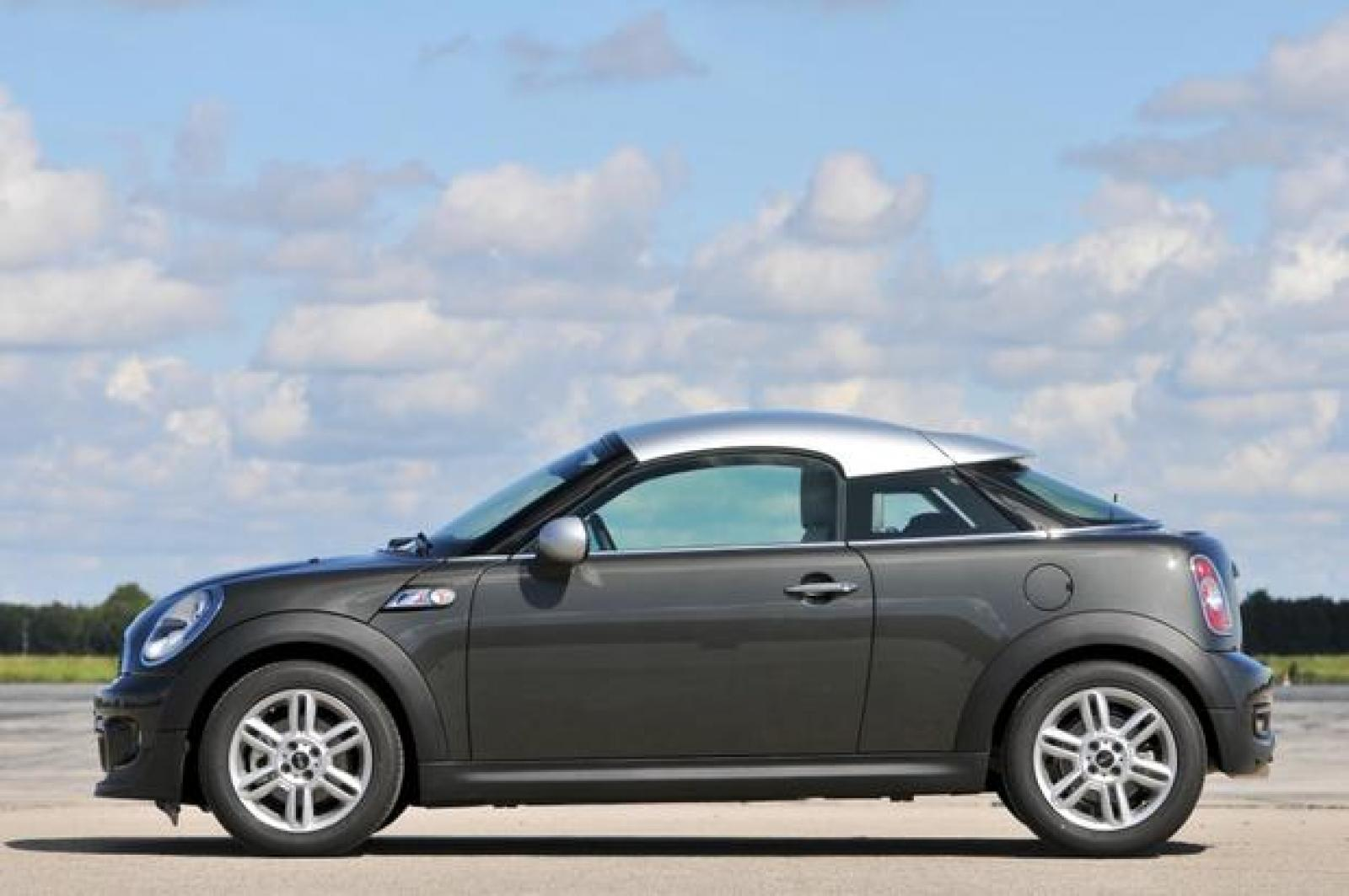 Mini Cooper Sportster >> 2015 Mini Cooper Roadster Information And Photos Zombiedrive